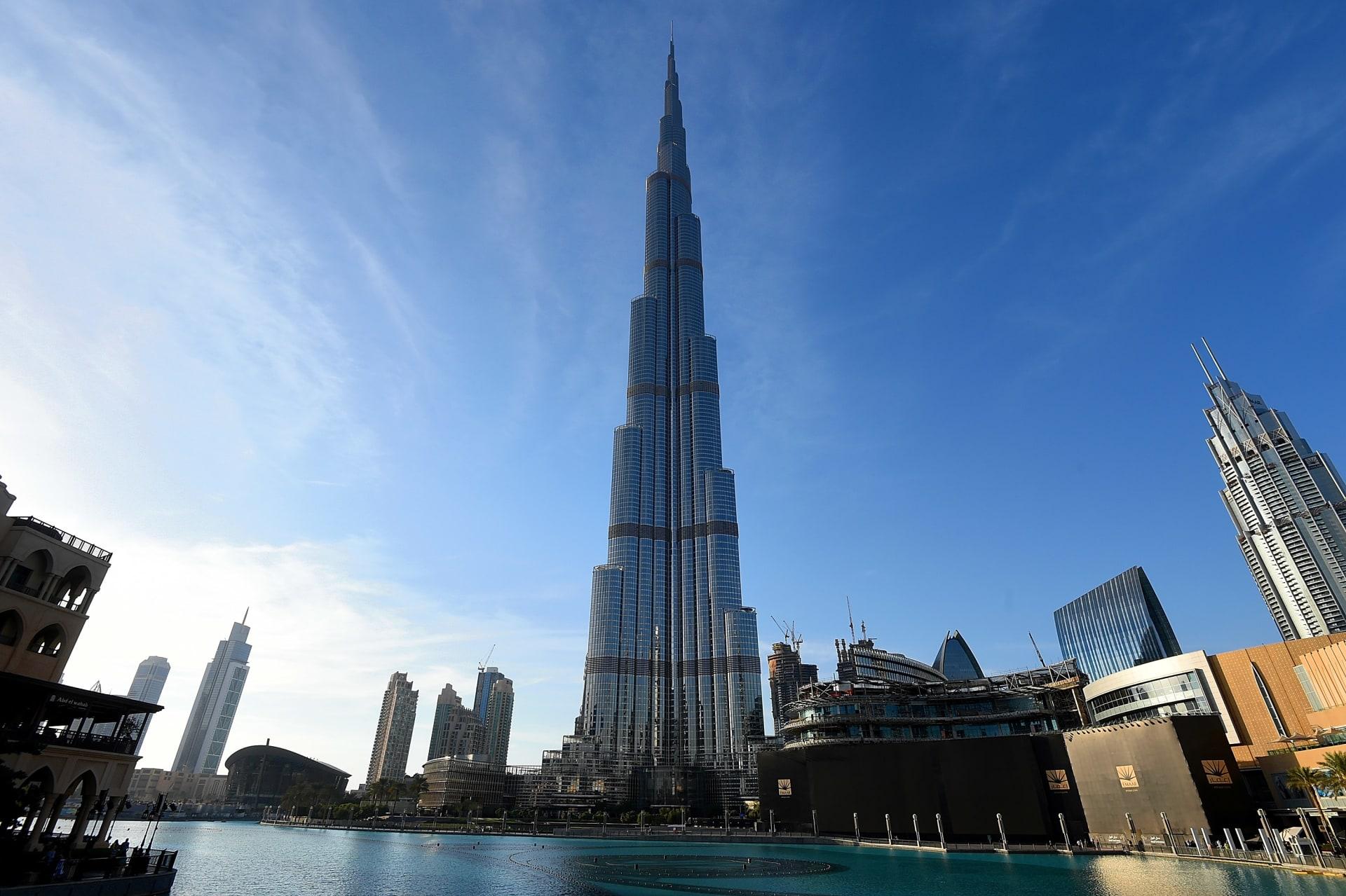 """النيابة العامة في دبي تعلن نتائج التحقيق بحادثة صور """"الفتيات العاريات"""" والحكم الصادر"""