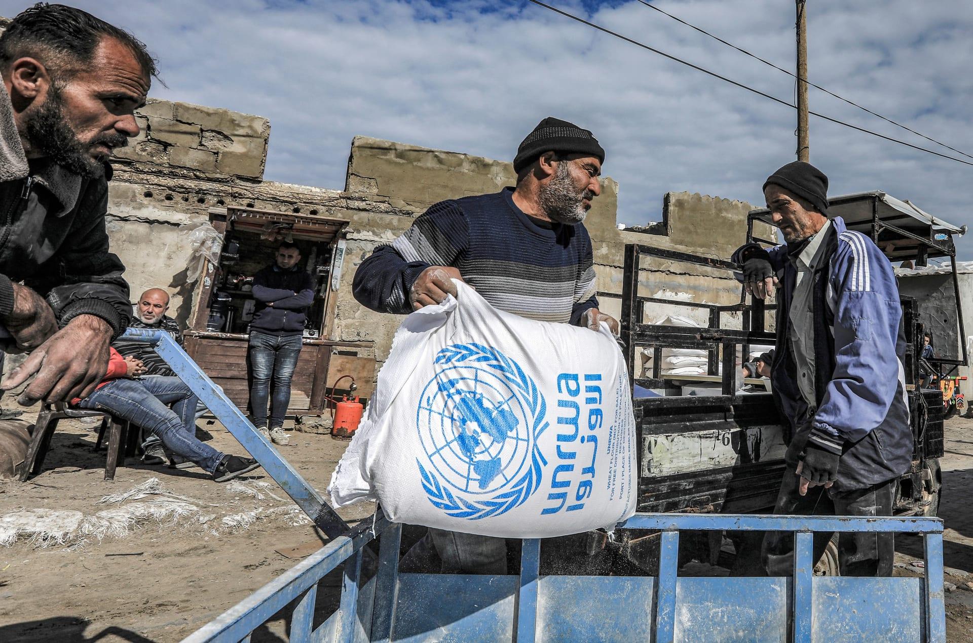 استئناف المساعدات الأمريكية للأونروا: إسرائيل تتحفظ.. والحكومة الفلسطينية ترحب