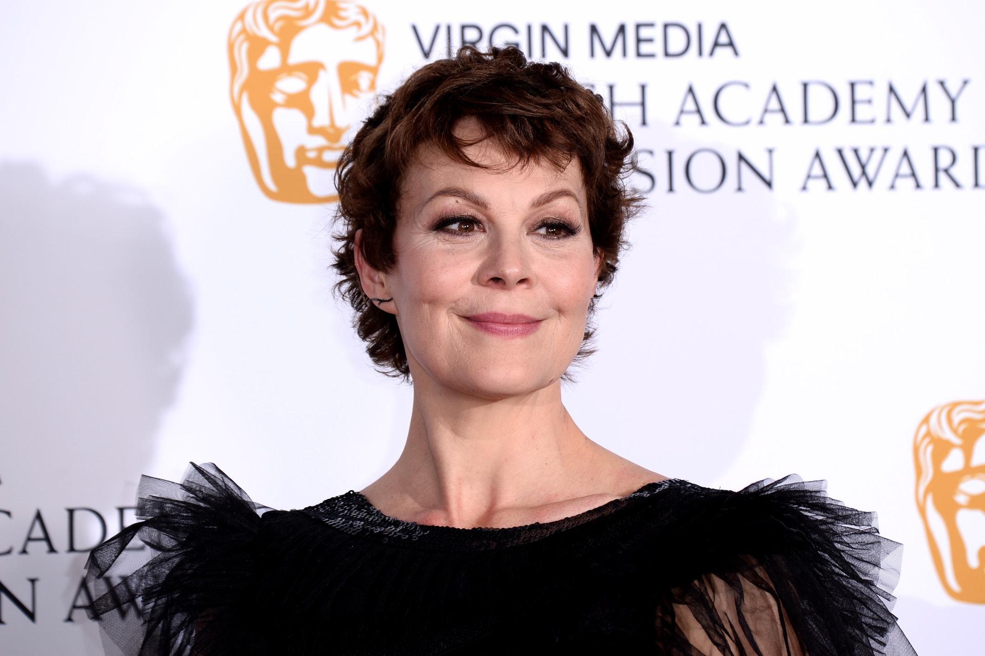 """وفاة الممثلة البريطانية هيلين ماكروري نجمة """"بيكي بلايندرز"""" عن عمر يناهز 52 عامًا"""
