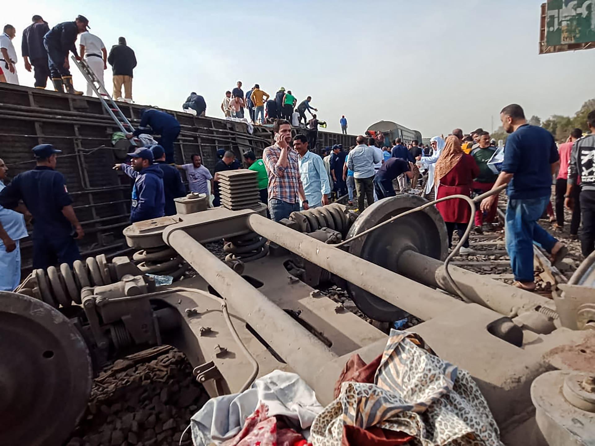 الخامس خلال شهر.. حادث قطار في مصر يسفر عن إصابة 100 شخص