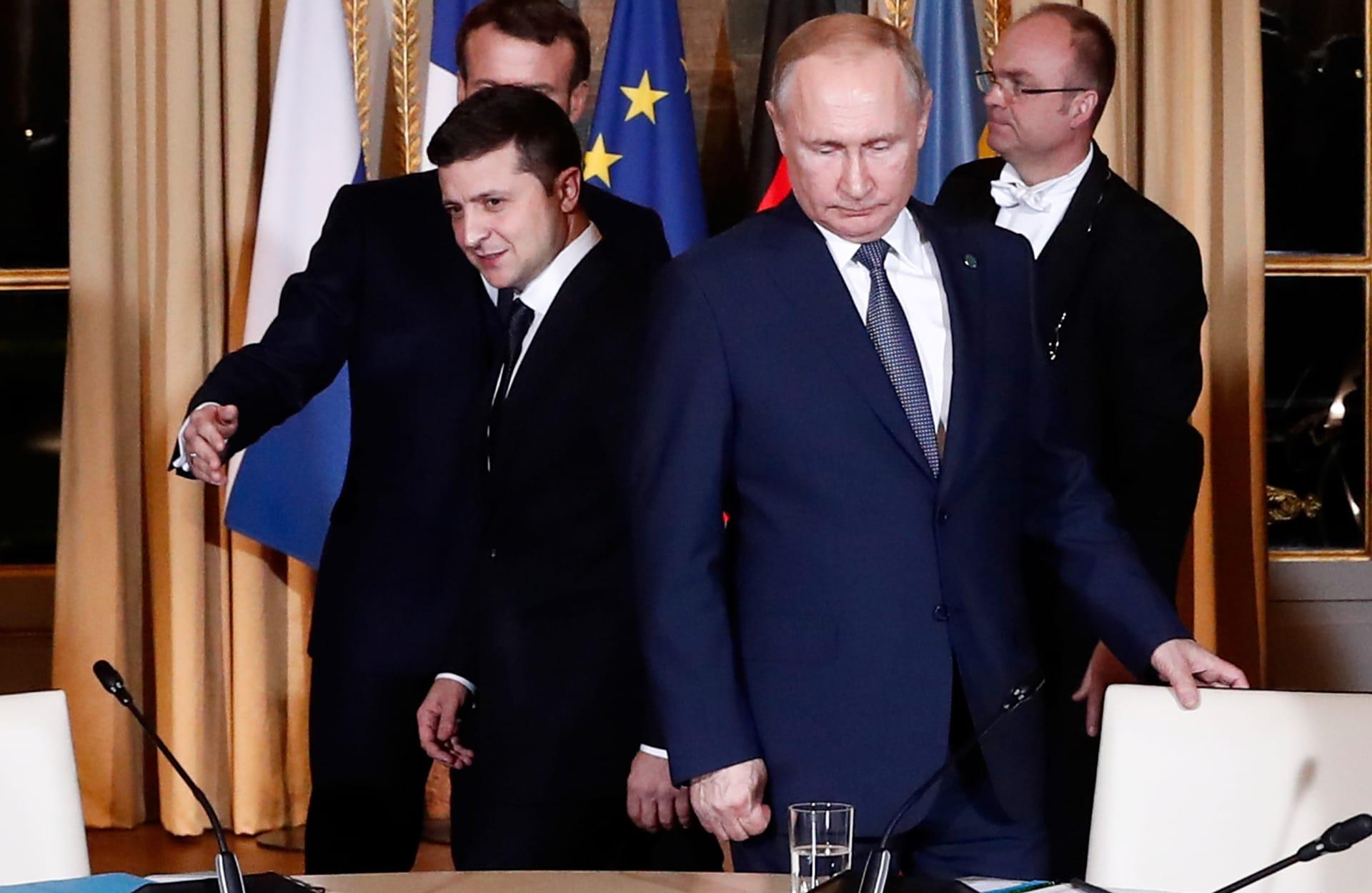 الرئيس الروسي فلاديمير بوتين ونظيره الأوكراني فولوديمير زيلينسكي