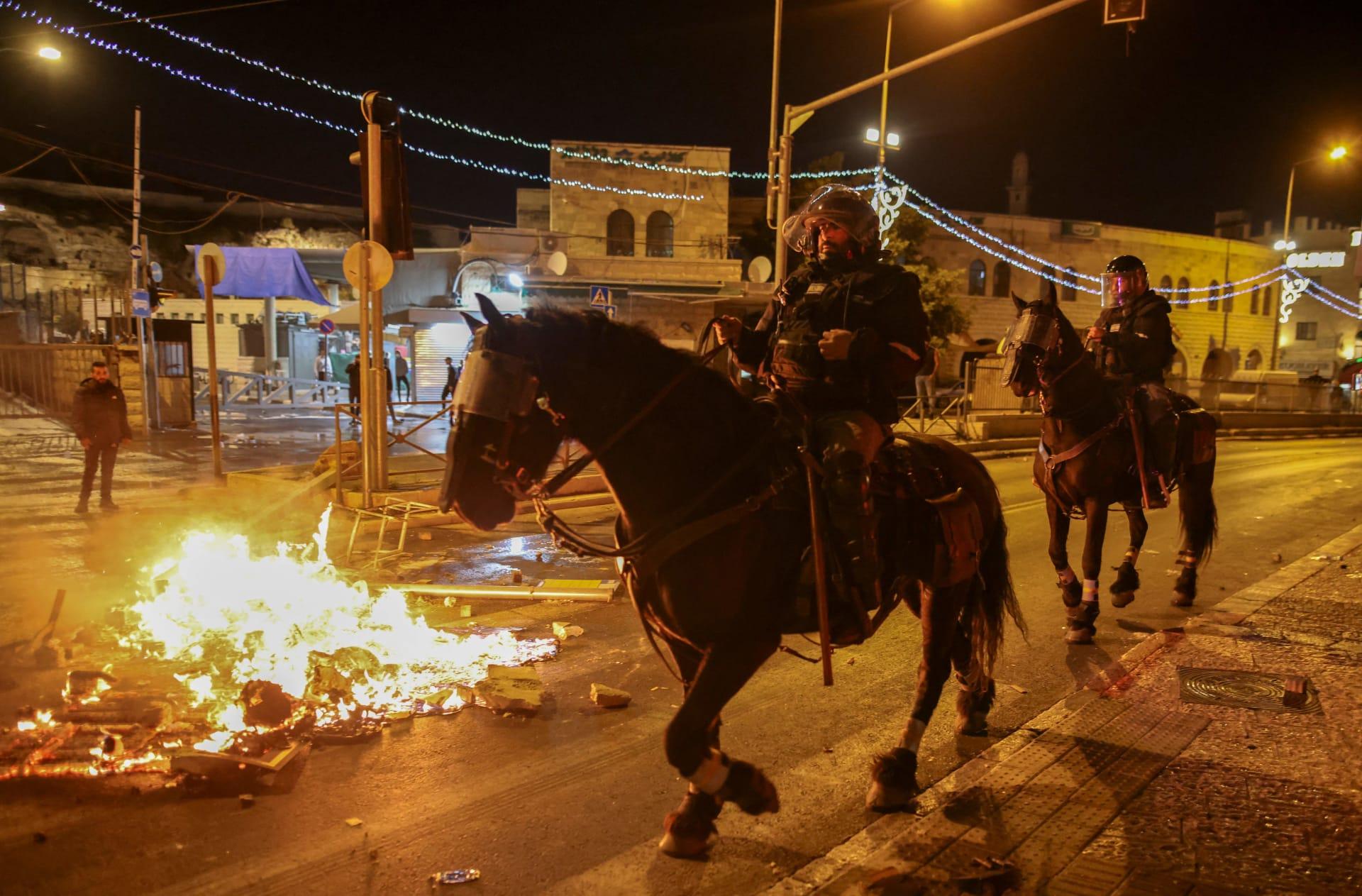 مواجهات عنيفة مع الأمن ومشاجرات بين عرب ويهود في القدس