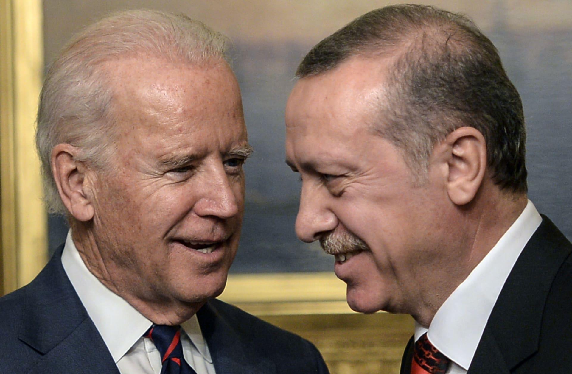 وسط تقارير عن عزم أمريكا الاعتراف بإبادة الأرمن.. بايدن يجري اتصالا مع أردوغان