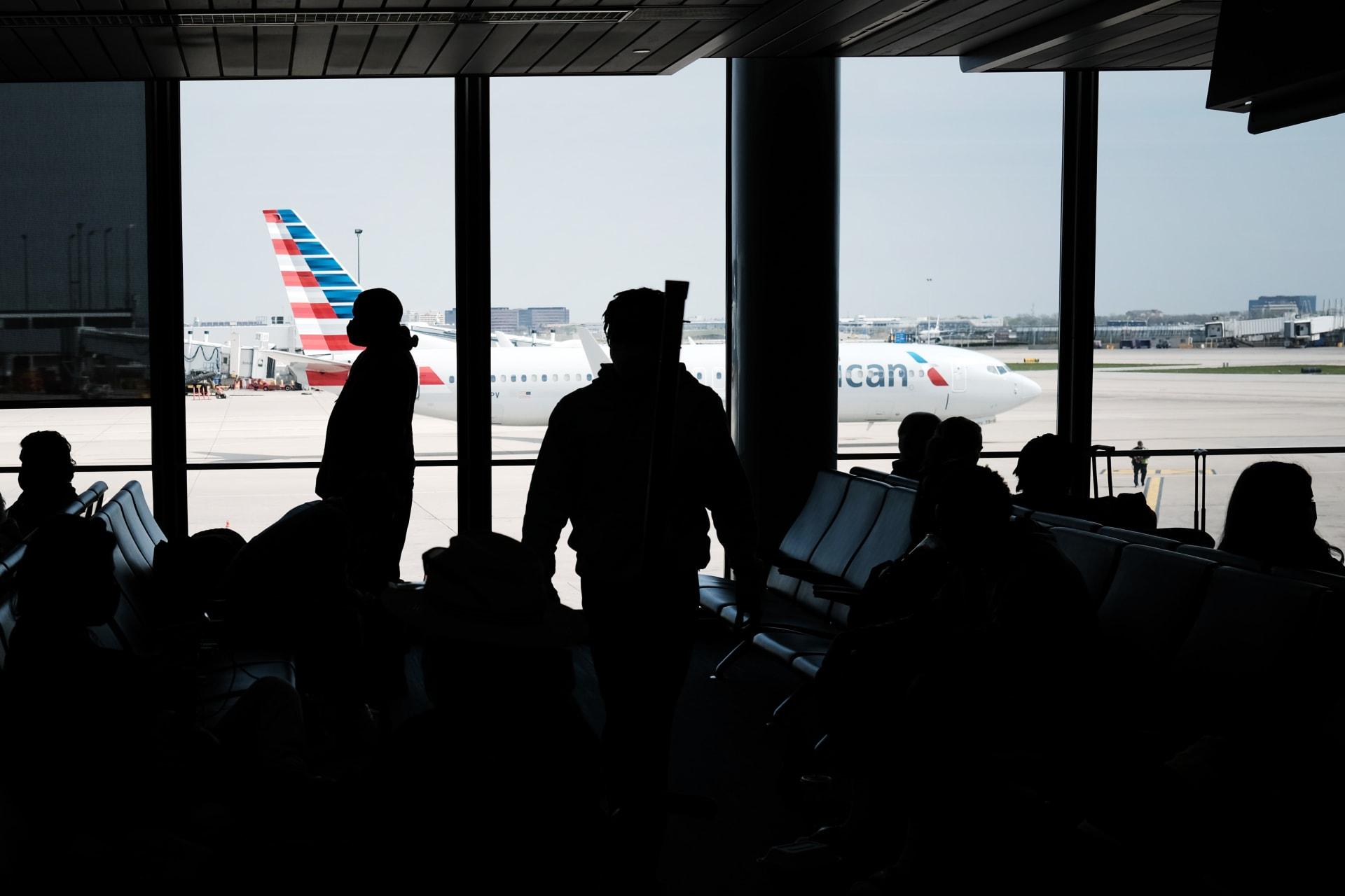أمريكا تستثني هذه الفئات من حظر السفر المفروض بسبب كورونا
