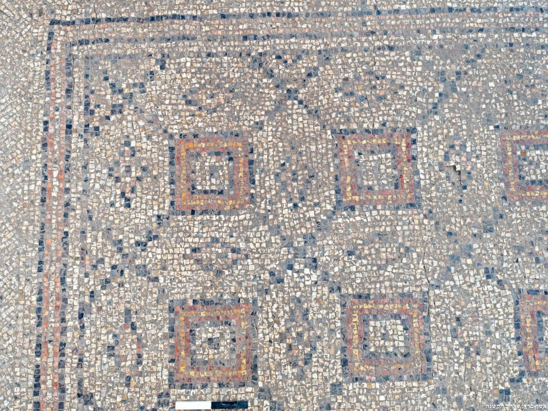 محفوظة بشكل جيد.. علماء الآثار يكتشفون فسيفساء عمرها 1،600 عام في إسرائيل