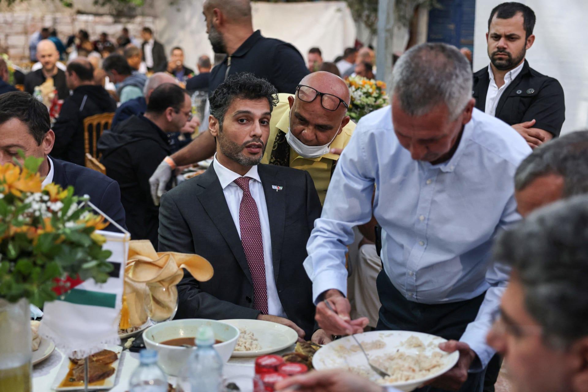 """السفير الإماراتي في إسرائيل يعلق على حادثة """"جبل ميرون"""".. فماذا قال؟"""