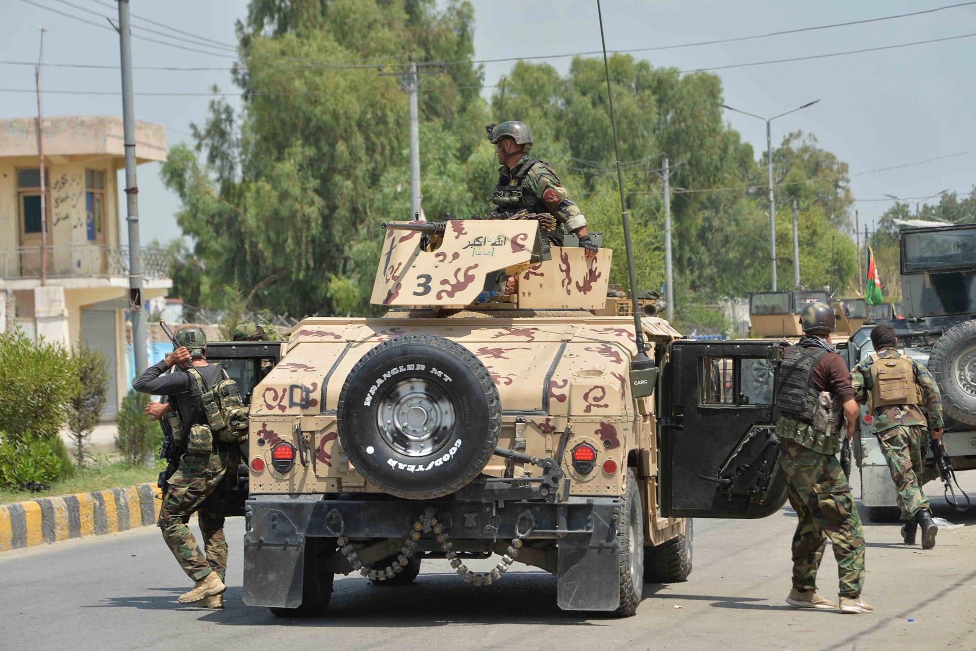 الانسحاب من أفغانستان.. طالبان تتبنى انفجارًا وتعلن عزمها استهداف القوات الأجنبية