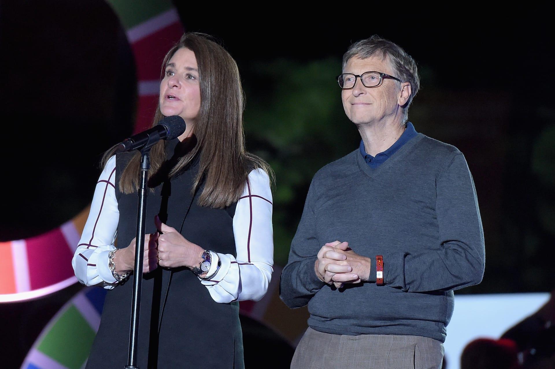 """بعد 27 عاما في """"قفص الزوجية"""".. بيل وميليندا غيتس ينفصلان"""