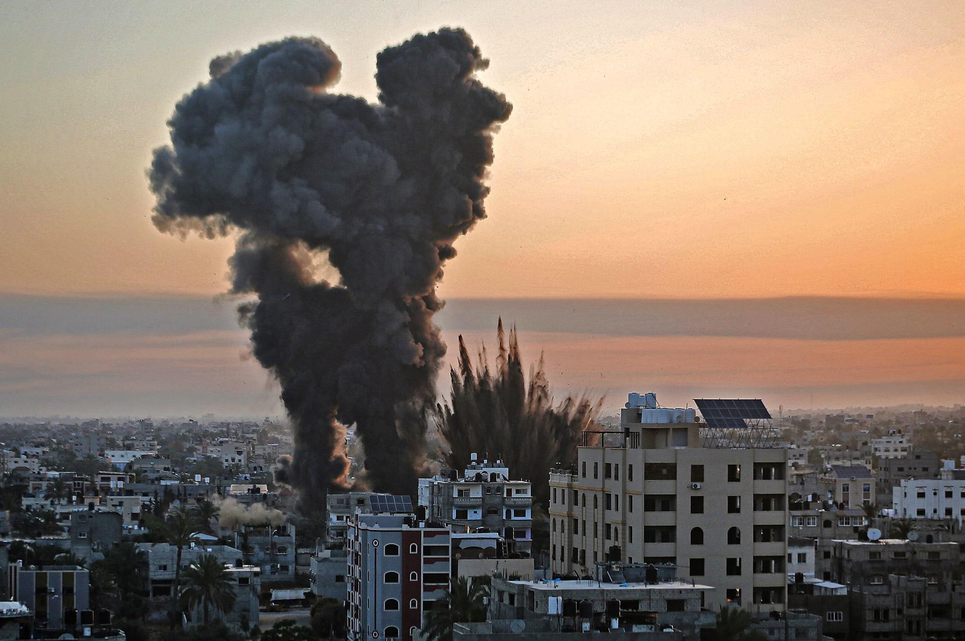 مقتل 56 فلسطينياً و6 إسرائيليين.. القسام تطلق صواريخ نحو ديمونا.. ونتنياهو: سنوجه ضربات لم يتخيلوها