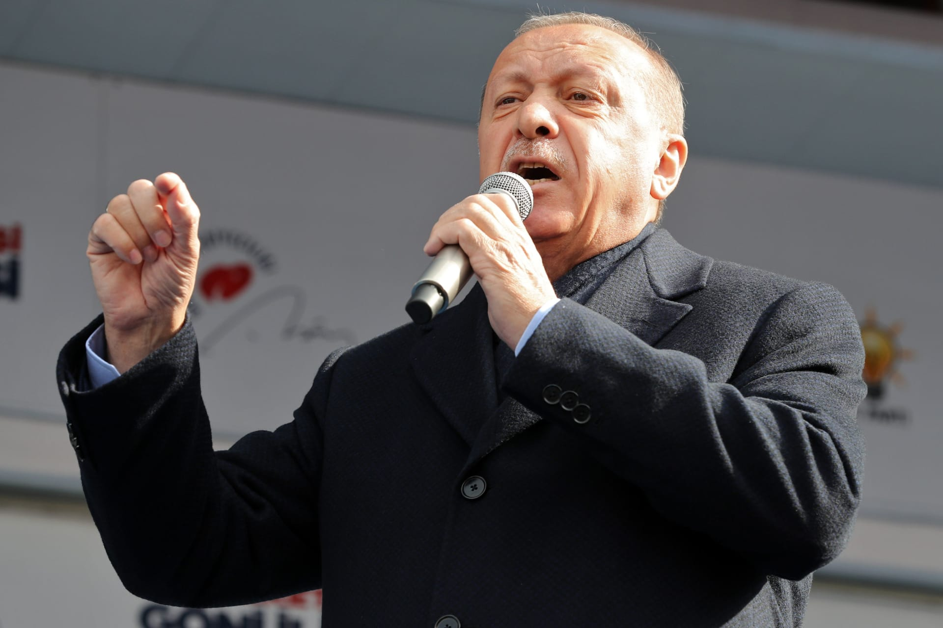 """أردوغان ينتقد بايدن: """"المجازر الإسرائيلية"""" تحمل توقيعكم.. وسنواصل دعم الفلسطينيين"""