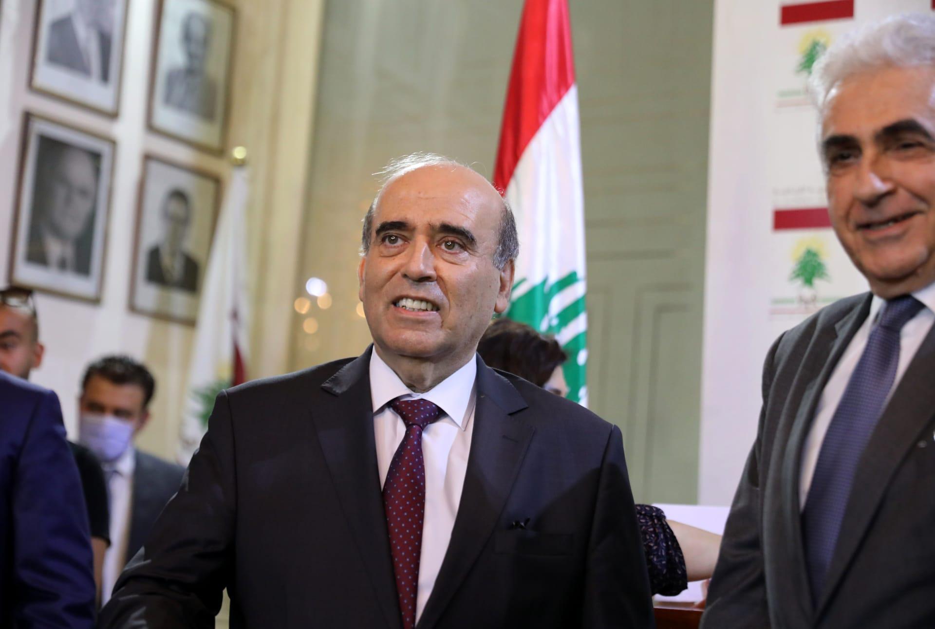 مدير مكتب محمد بن سلمان يرد على شربل وهبة بأبيات لبدر بن عبدالمحسن
