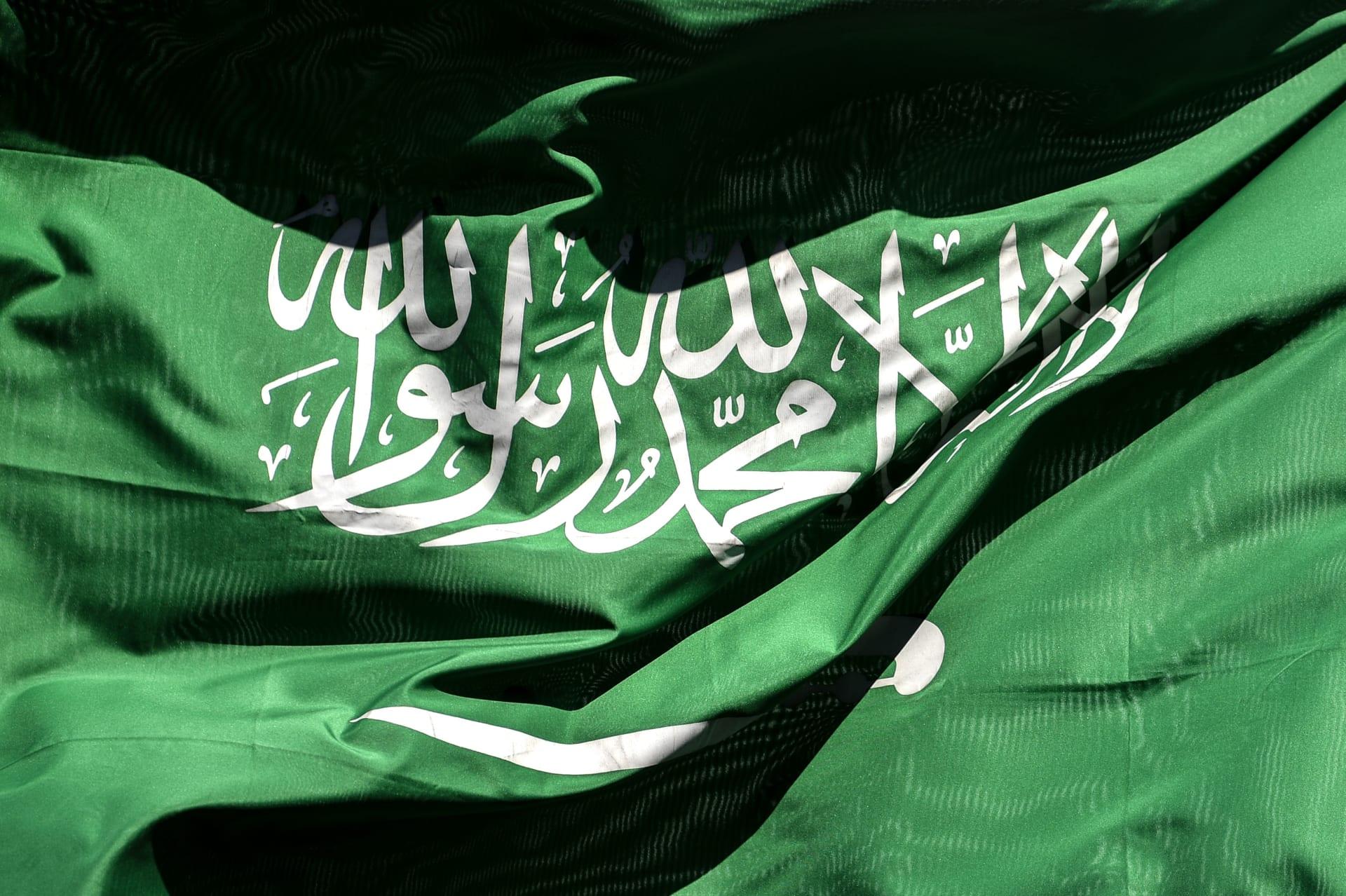 """في """"خيمة"""" تعبر عن الافتخار بـ""""البداوة"""".. السفير السعودي يستقبل وفودا لبنانية سياسية ودينية"""