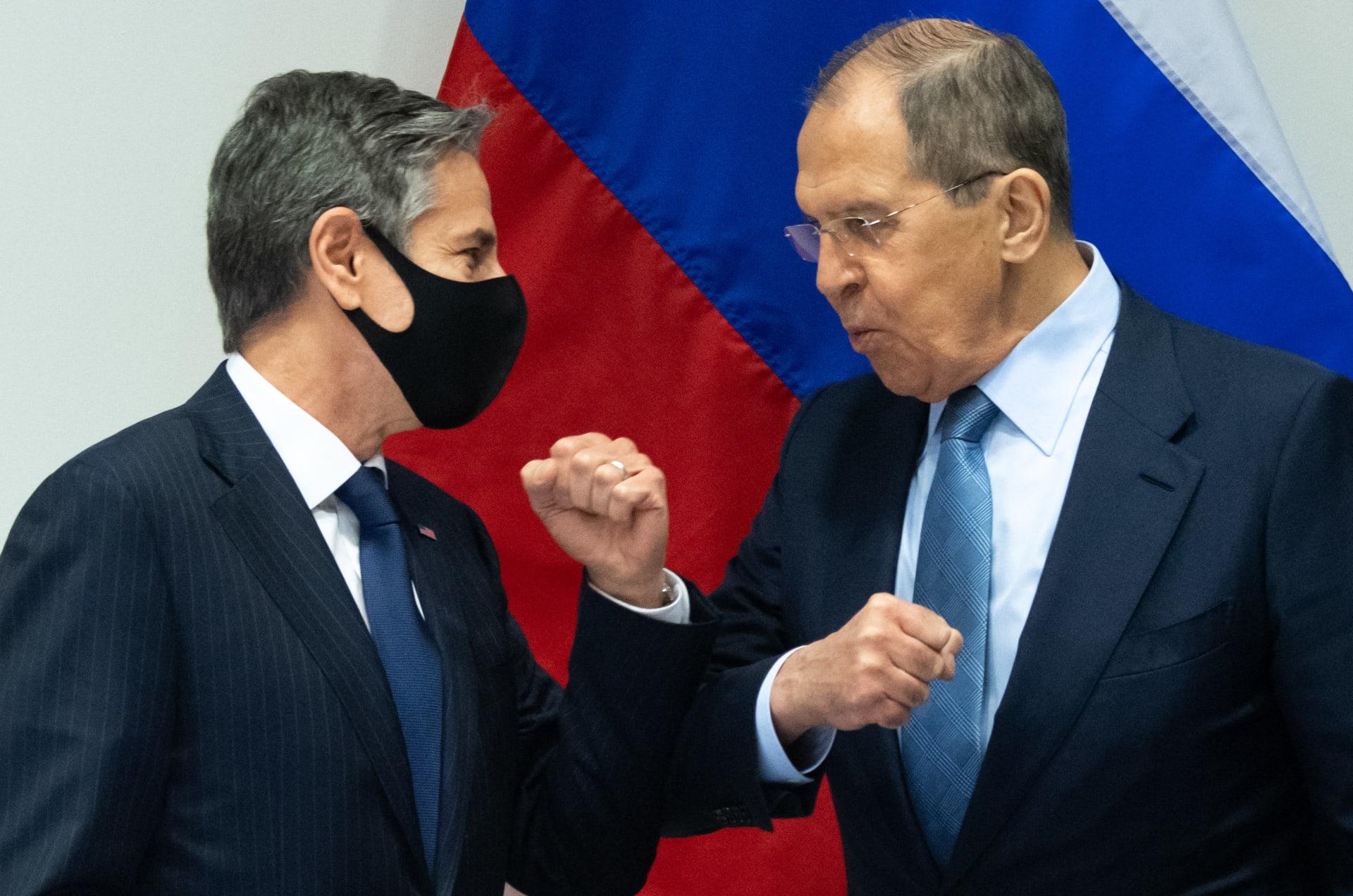 وزير الخارجية الأمريكي أنتوني بلينكن يلتقي نظيره الروسي سيرغي لافروف في أيسلندا