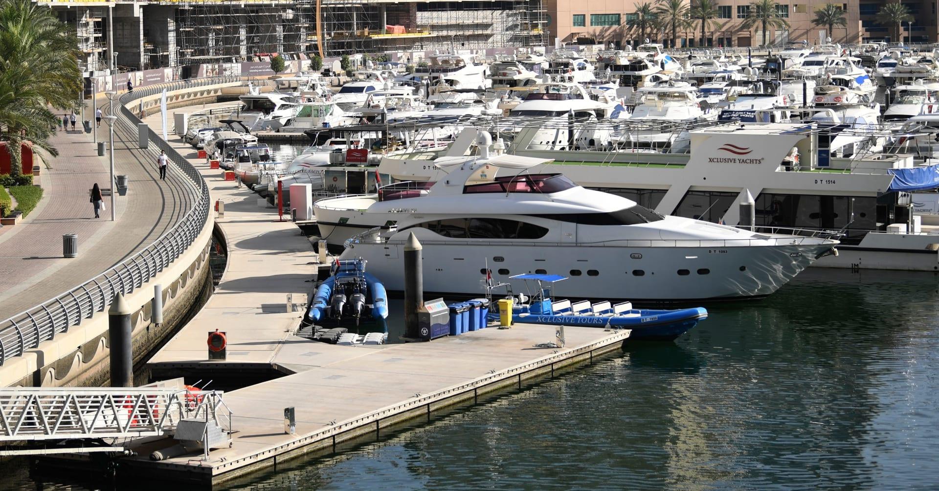 سلطة دبي الملاحية تخفف قيود ممارسة الأنشطة البحرية الترفيهية على امتداد سواحلها