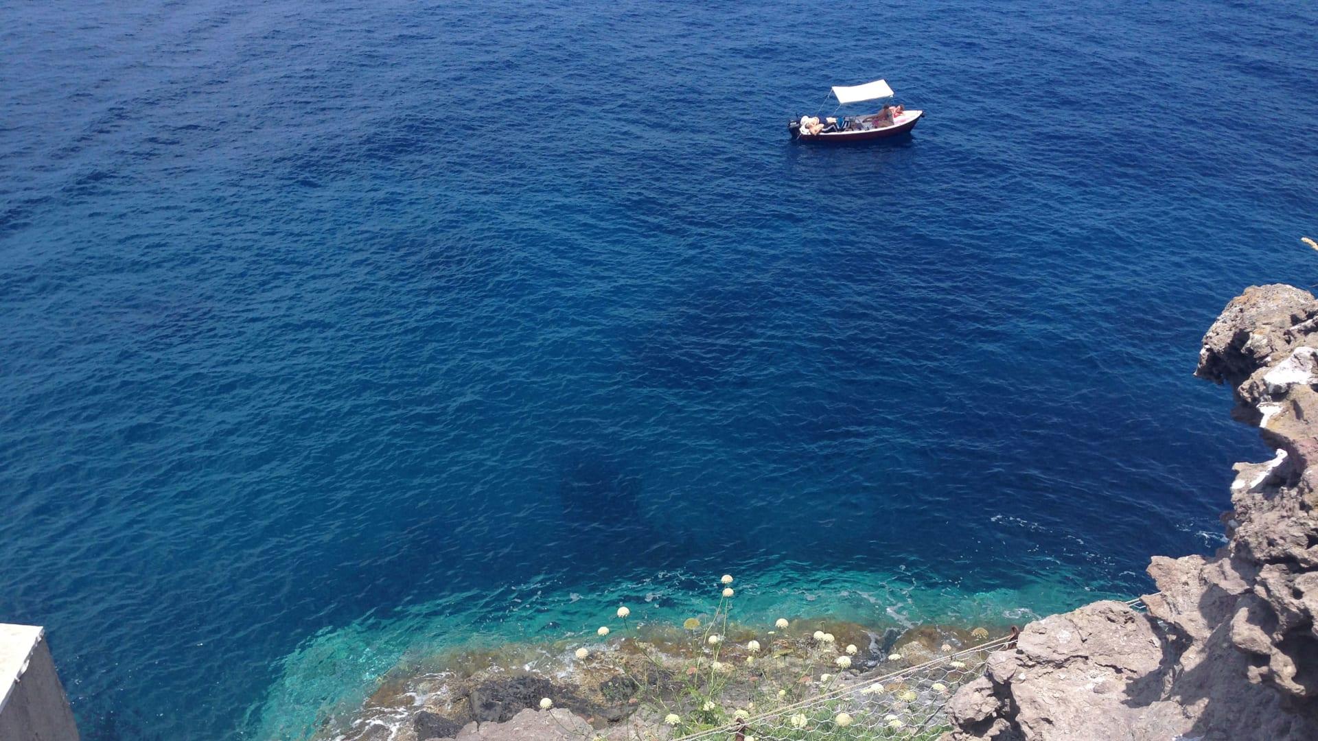 تاريخ حزين..إيطاليا تخطط لإعادة إحياء جزيرة استخدمت كسجن للمجرمين