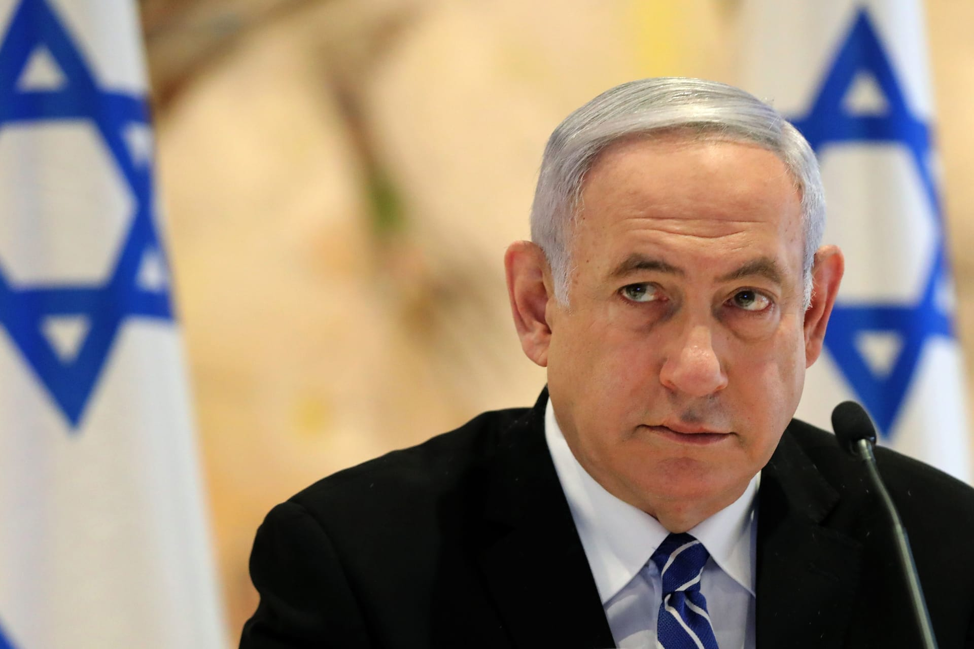 """نتنياهو يُصر على تنظيم """"مسرة الأعلام"""" الثلاثاء رغم الانتقادات والمخاوف"""