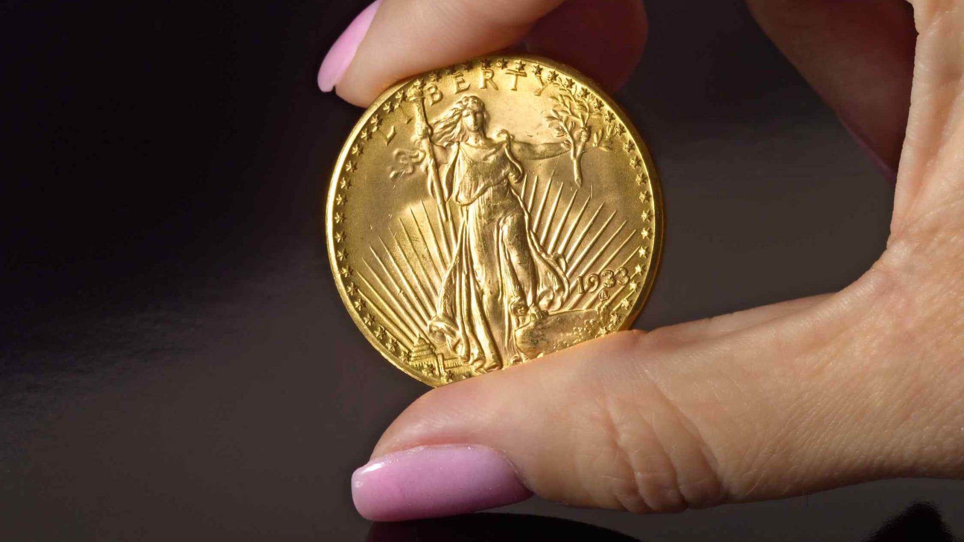 عملة ذهبية نادرة تباع بـ 18.9 مليون دولار وتحطم الرقم القياسي في مزاد