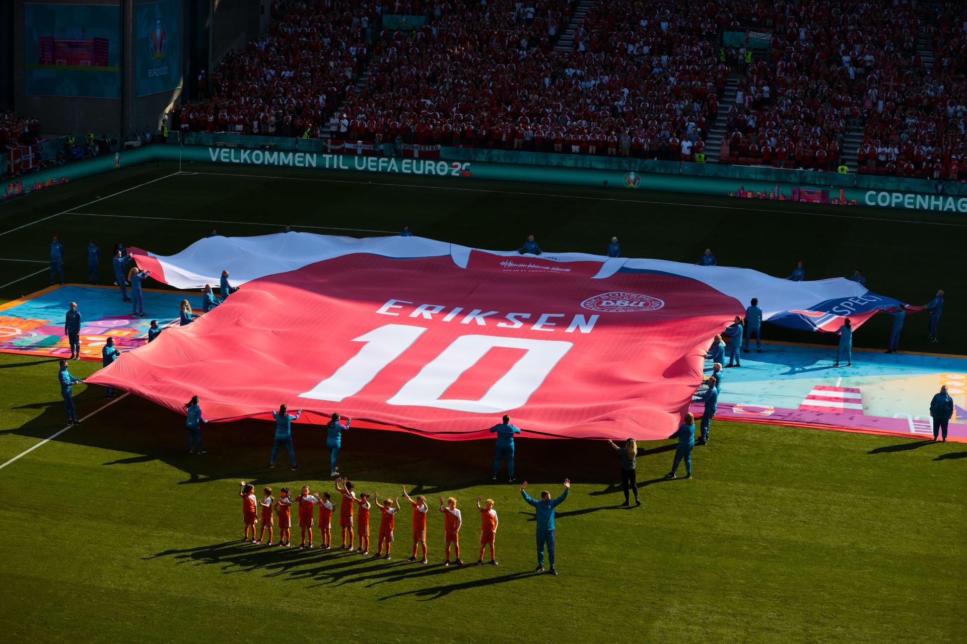 تكريم استثنائي لكريستيان إريكسن خلال مباراة الدنمارك وبلجيكا