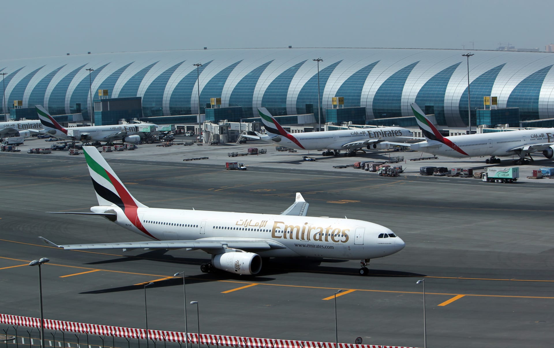 صورة أرشيفية لمبنى من مباني مطار دبي الدولي
