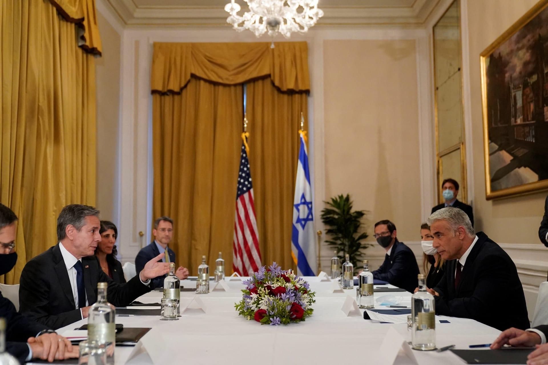 وزير الخارجية الأمريكي أنتوني بايدن ونظيره الإسرائيلي يائير لابيد