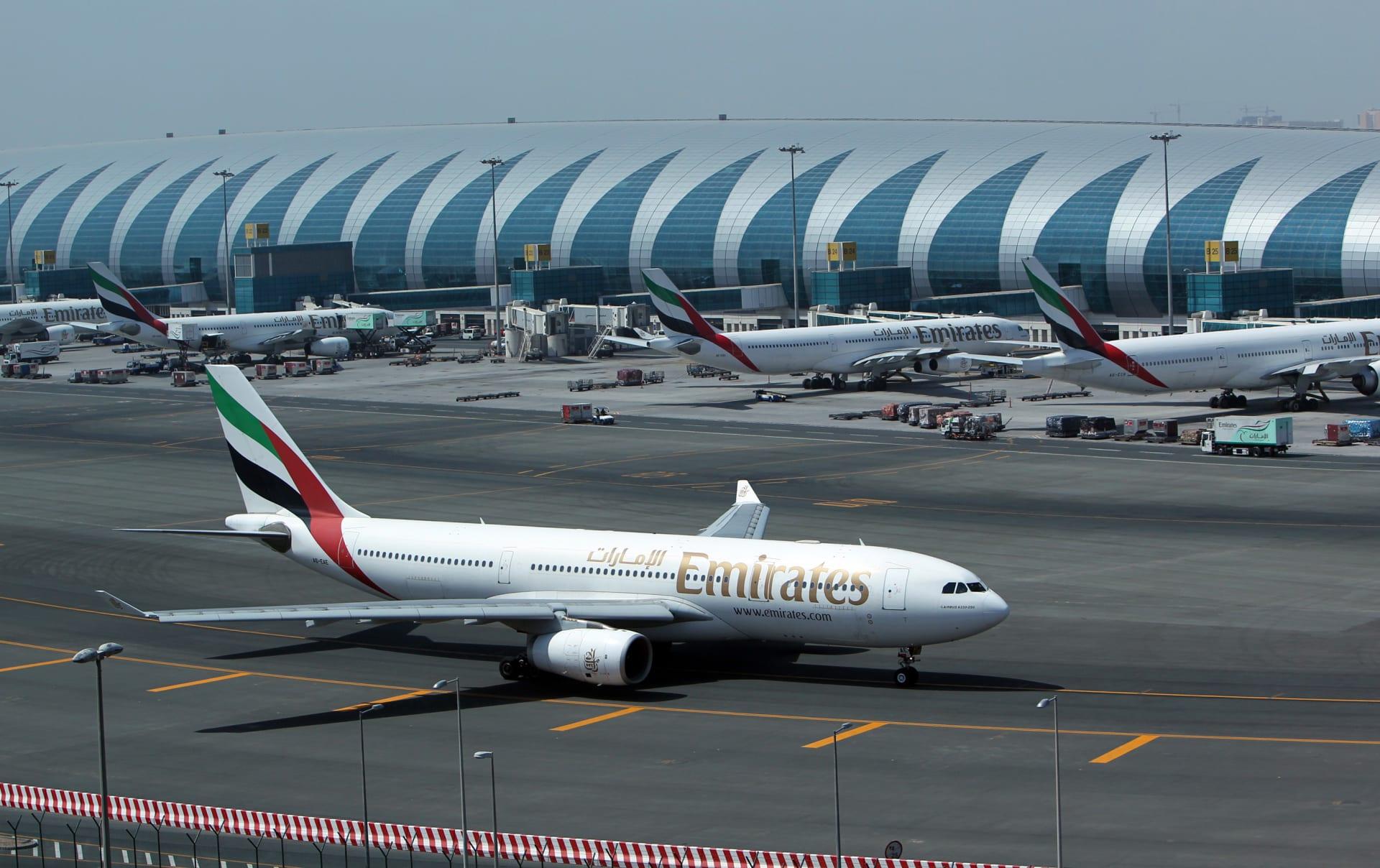 طيران الإمارات تٌسير رحلات إضافية لإعادة المواطنين والمقيمين من السعودية.. وتعميم جديد بشأن القرار
