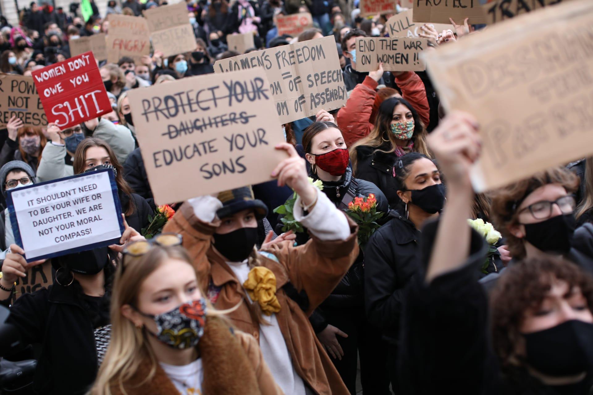 احتجاجات في بريطانيا من أجل سارة ايفيرارد