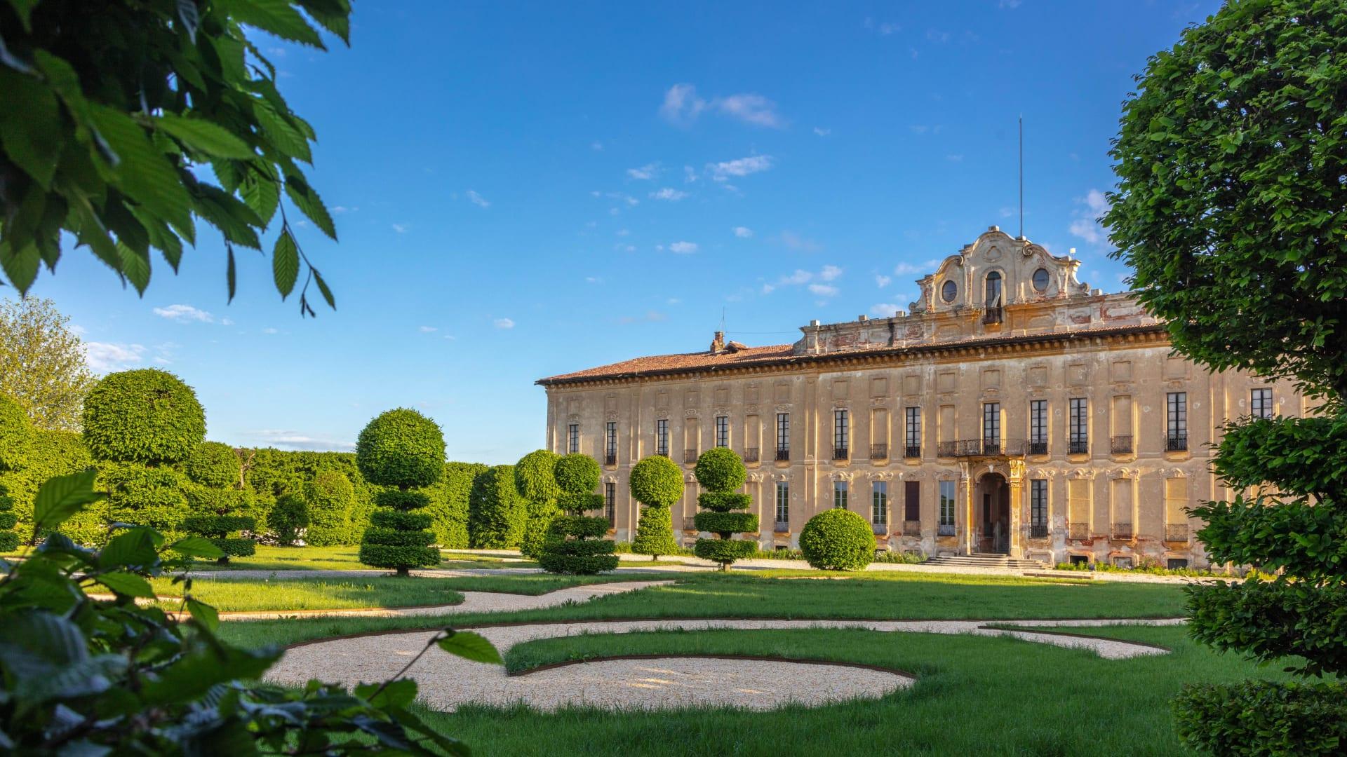 كيف تأمل الحدائق الإيطالية في تغيير اتجاه السياحة؟
