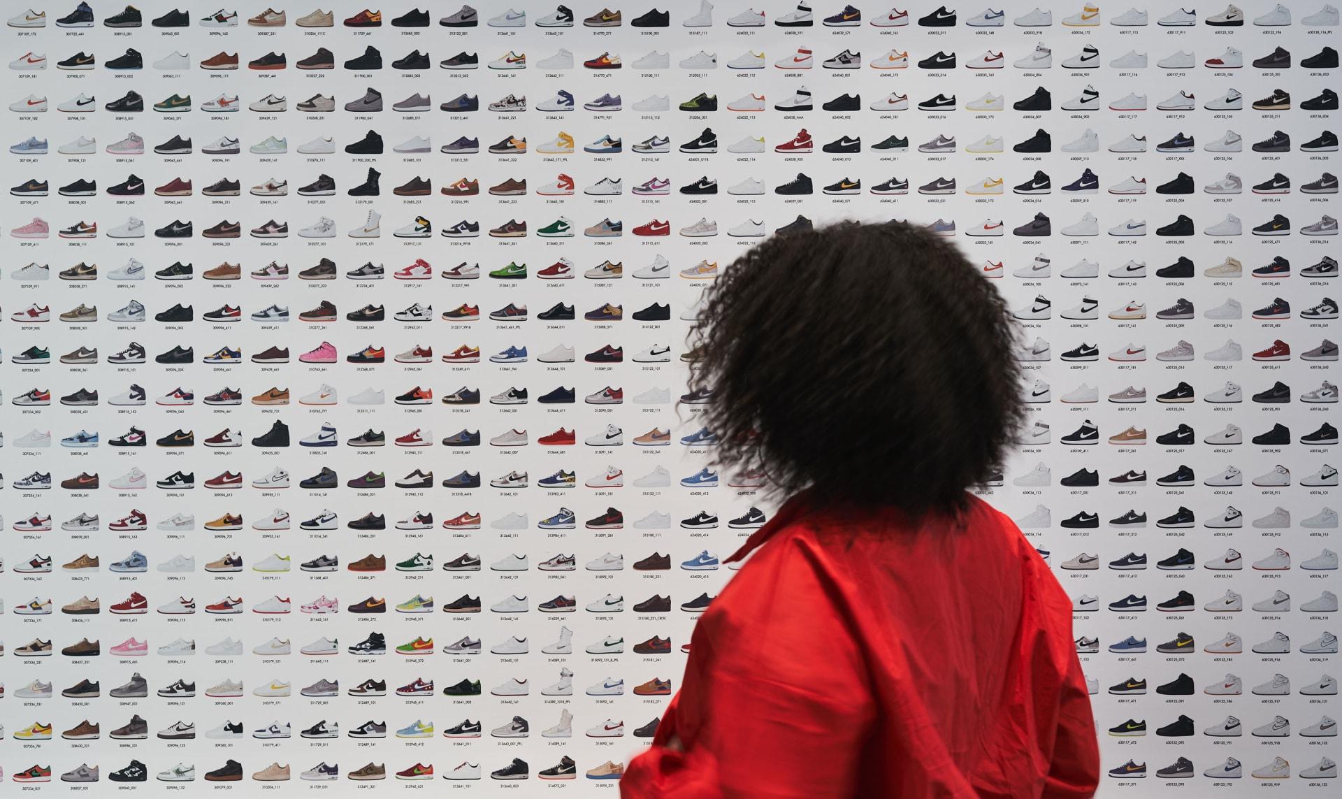 كيف أصبح جمع الأحذية الرياضية صناعة بمليارات الدولارات