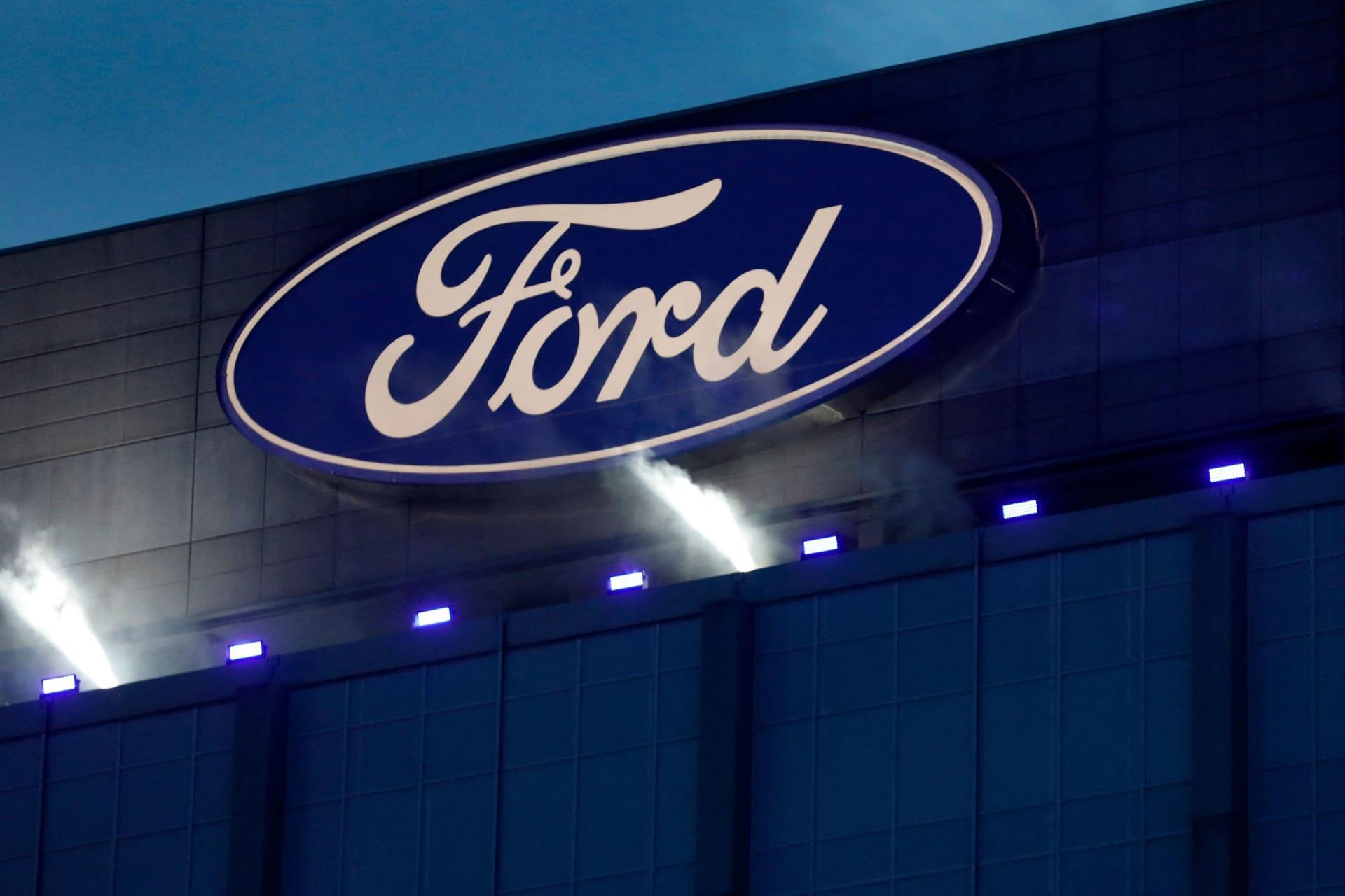 """فورد تستدعي حوالي 775 ألف سيارة """"إكسبلورير"""" بعد تقارير عن تسببها بإصابات"""