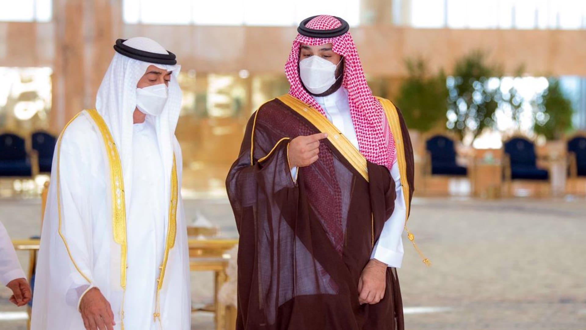 """""""تجسيد للعلاقات الاستراتيجية"""".. ردود فعل واسعة على زيارة محمد بن زايد إلى السعودية"""