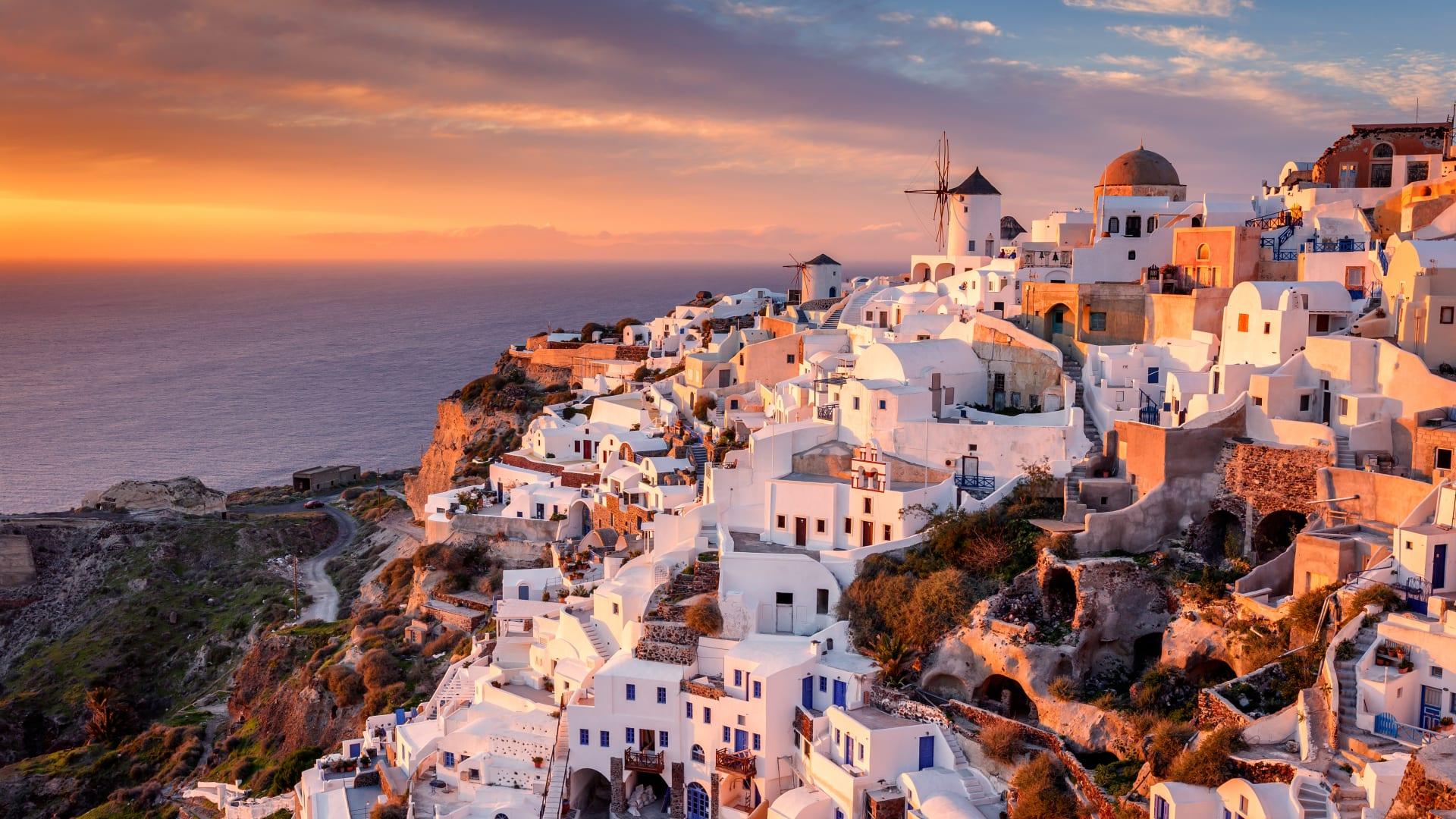 """وسط انتشار متحور """"دلتا""""..تعرف على أحدث إرشادات وقيود السفر حول العالم"""