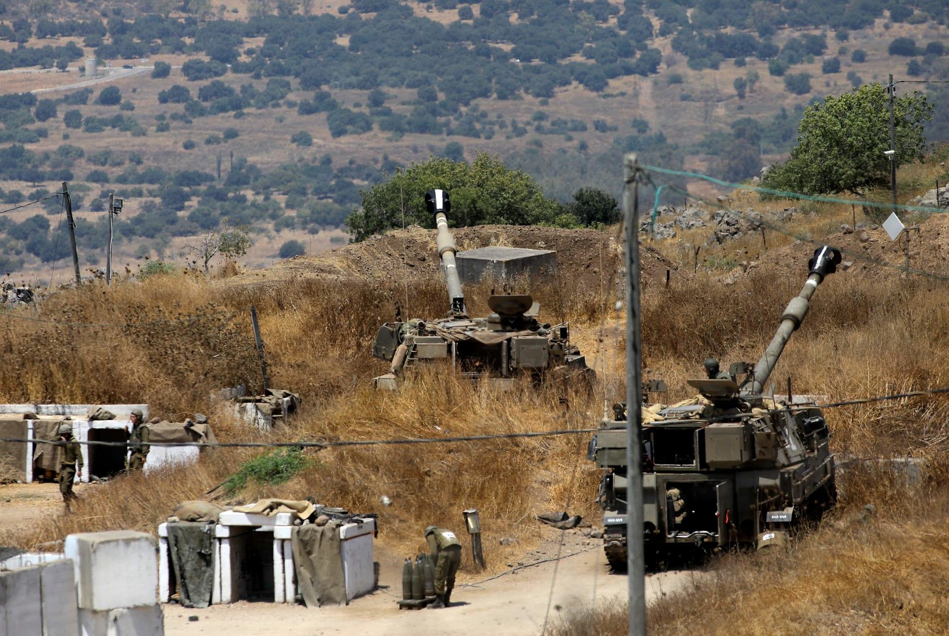 صورة أرشيفية لمدافع إسرائيلية قرب حدودها الشمالية