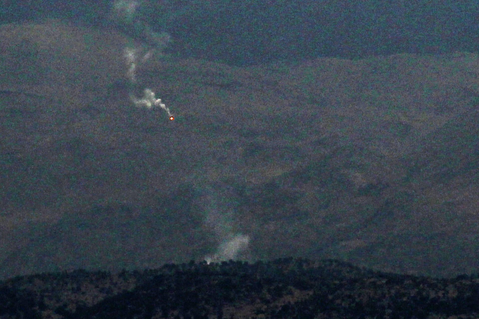صورة قذائف إسرائيل صوب مواقع إطلاق النار من لبنان