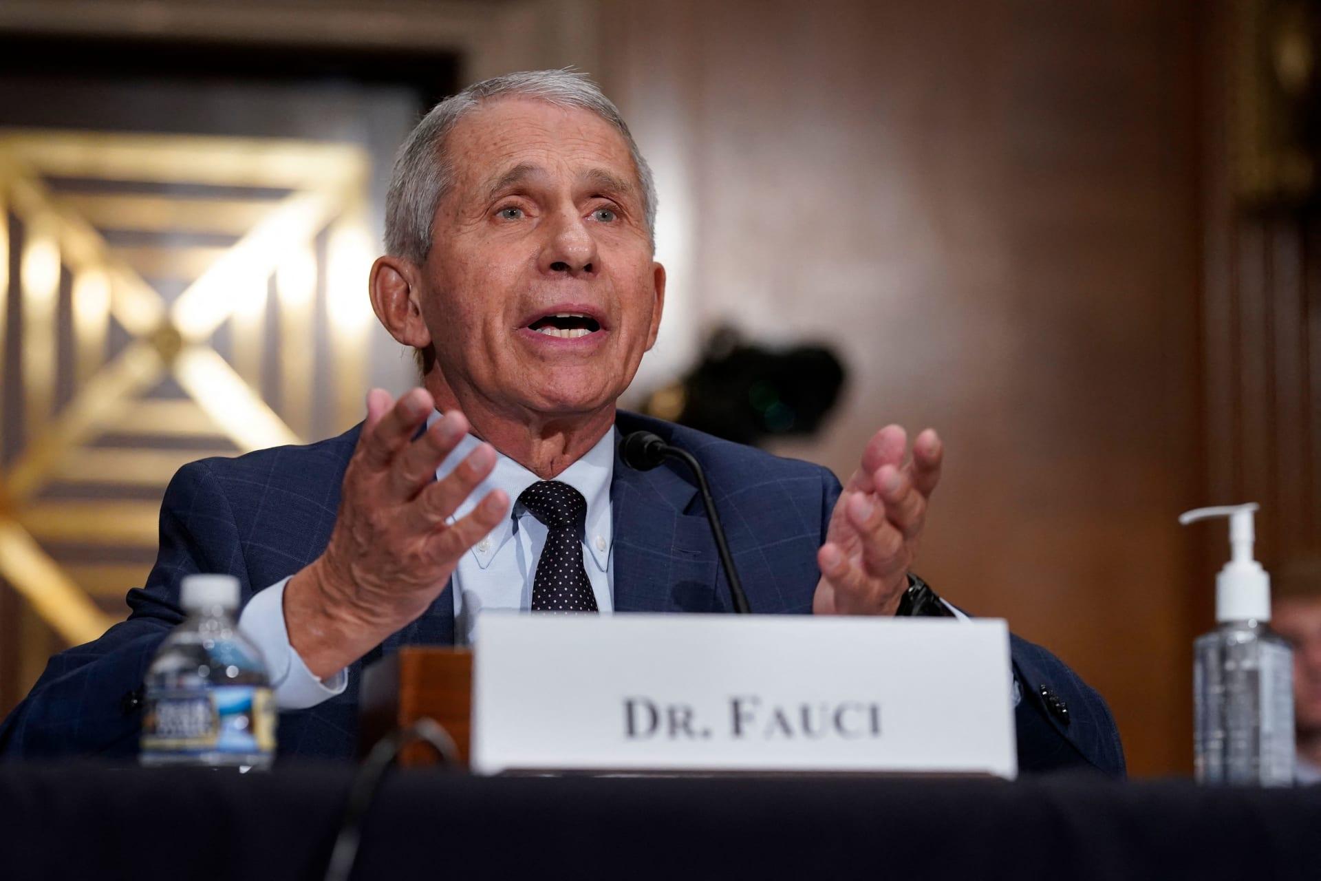 الدكتور أنتوني فوسي ، مدير المعهد الوطني للحساسية والأمراض المعدية في أمريكا