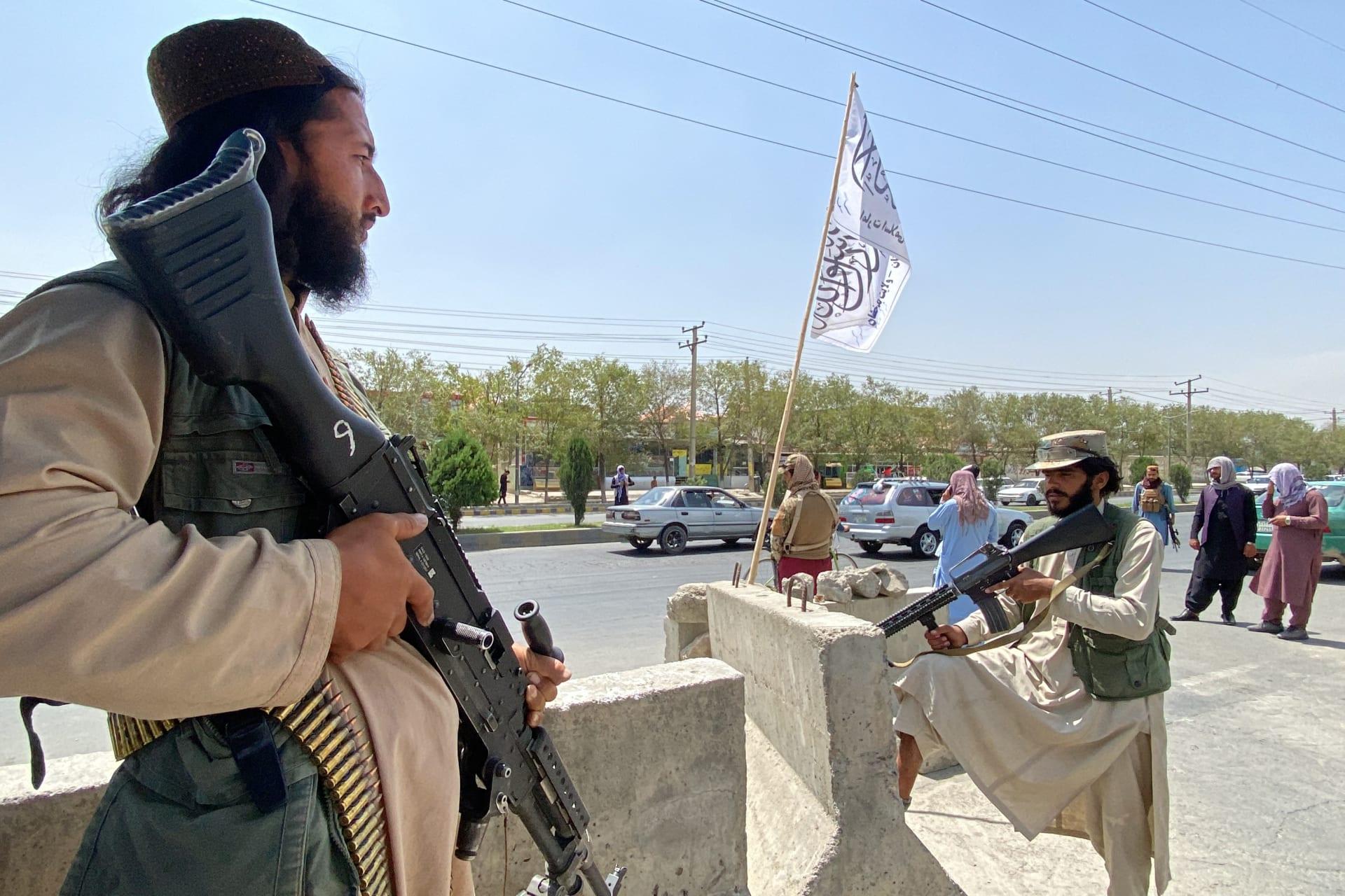 """طالبان تحدد ملامح حكم """"الإمارة الإسلامية"""" بعد السيطرة على أفغانستان"""