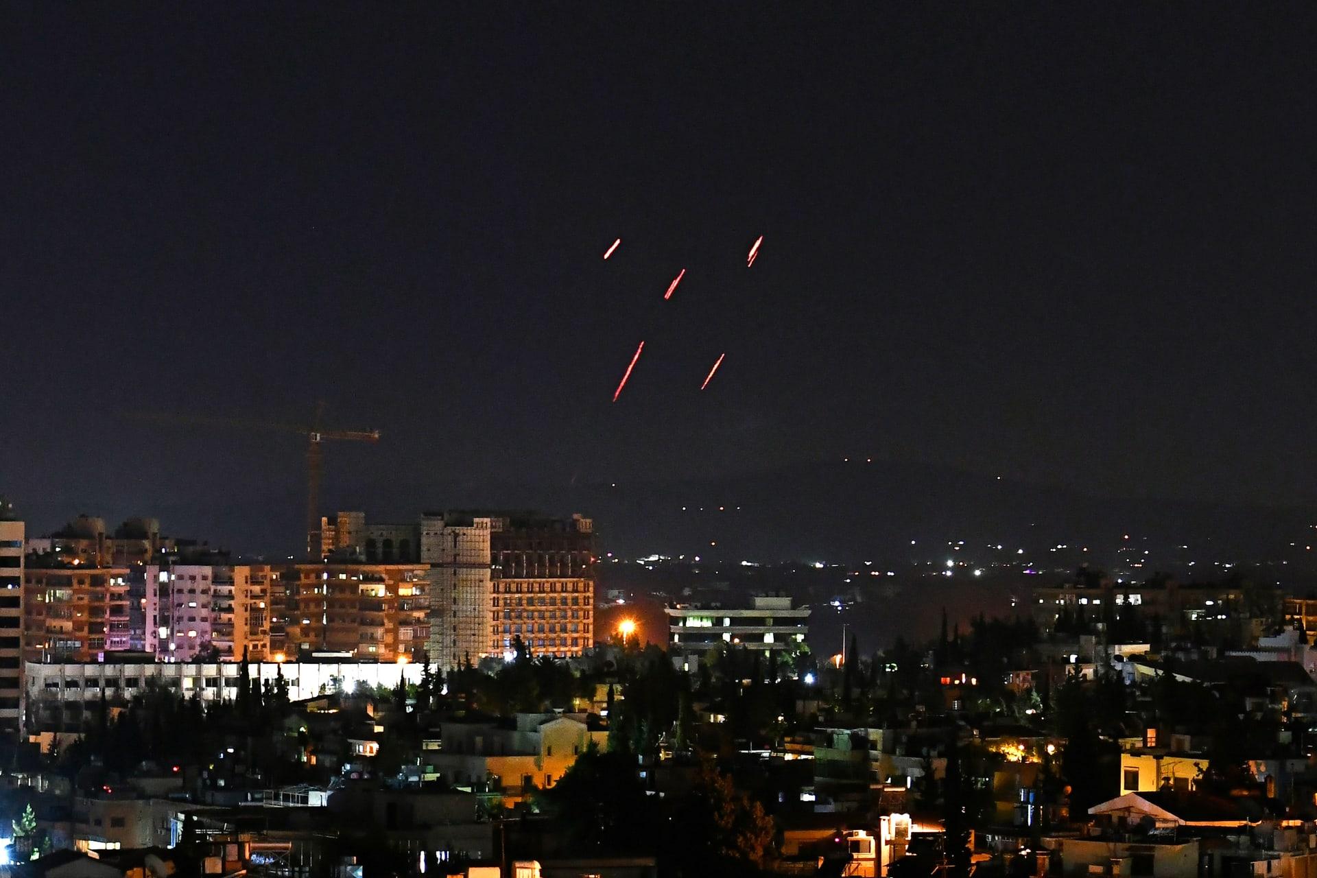 الدفاعات الجوية السورية ترد على استهداف صواريخ إسرائيلية جنوب العاصمة دمشق، 20 يوليو 2020.