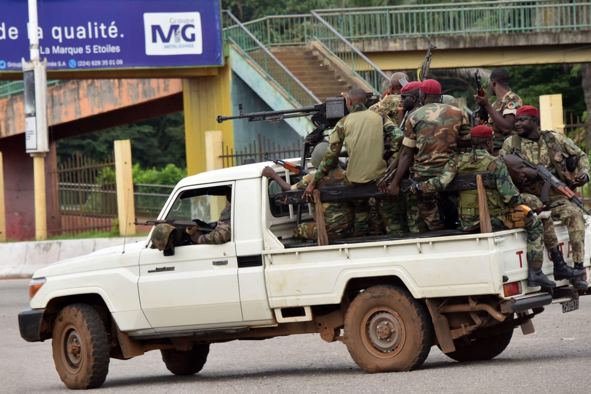 """الاتحاد الأفريقي يدين """"الانقلاب العسكري"""" في غينيا ويدعو للإفراج عن الرئيس فورا"""