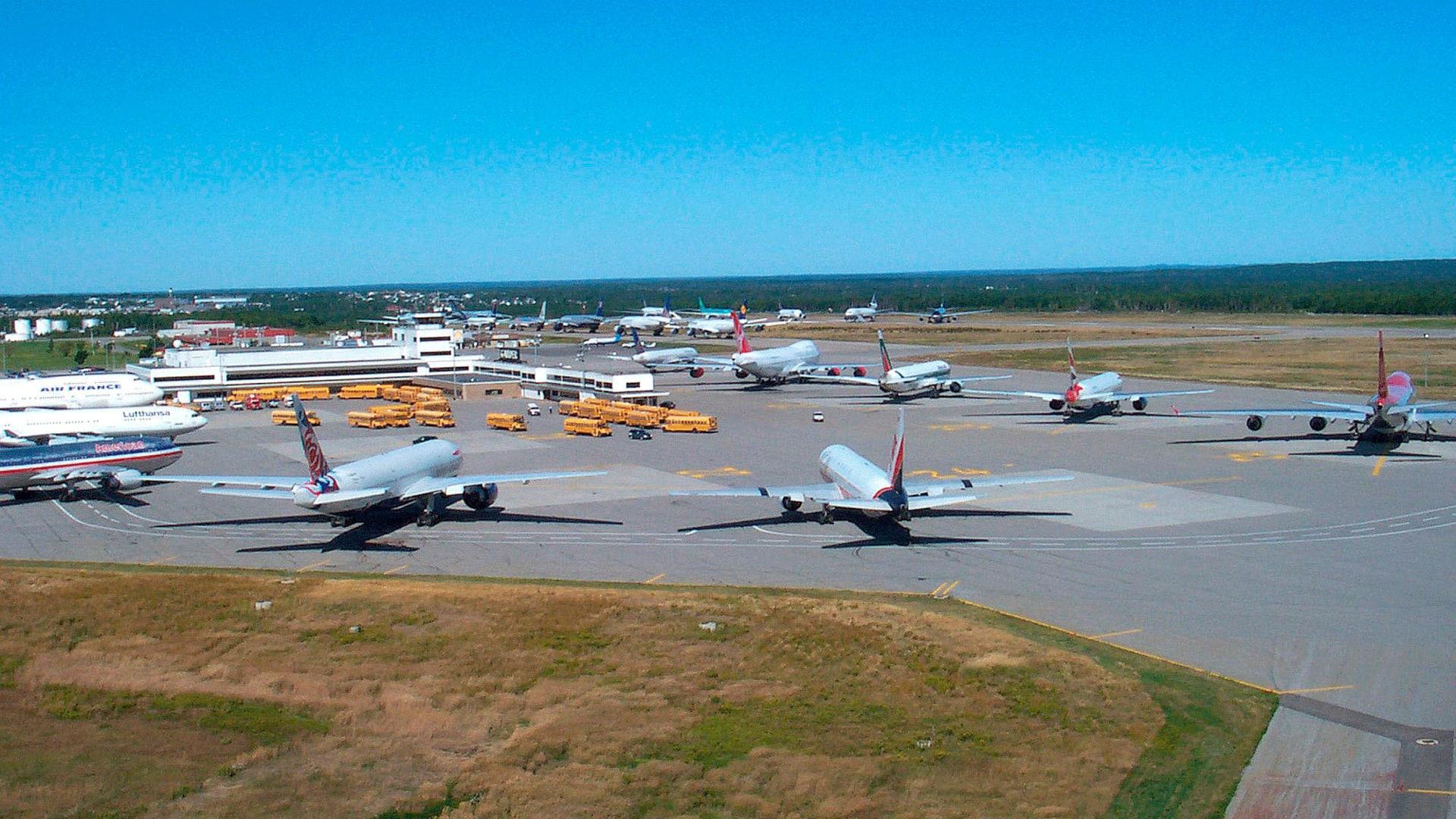 قصة ألهمت مسرحية في برودواي.. قام هذا المطار الكندي بإيواء 7 آلاف شخص في 11 سبتمبر