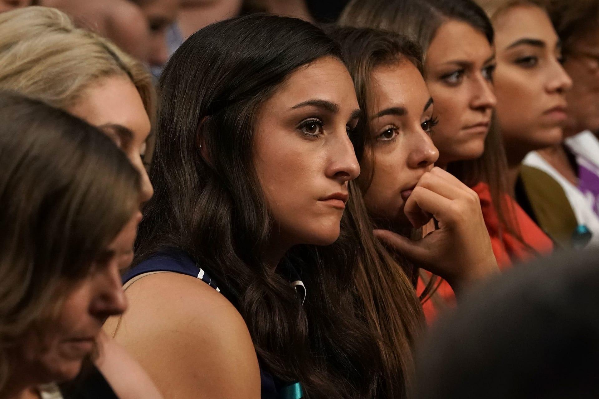 الناجيات من الاعتداء الجنسي من قضية لاري نصار للاعتداء الجنسي خلال جلسة استماع في مبنى الكونغرس - 24 يوليو 2018.