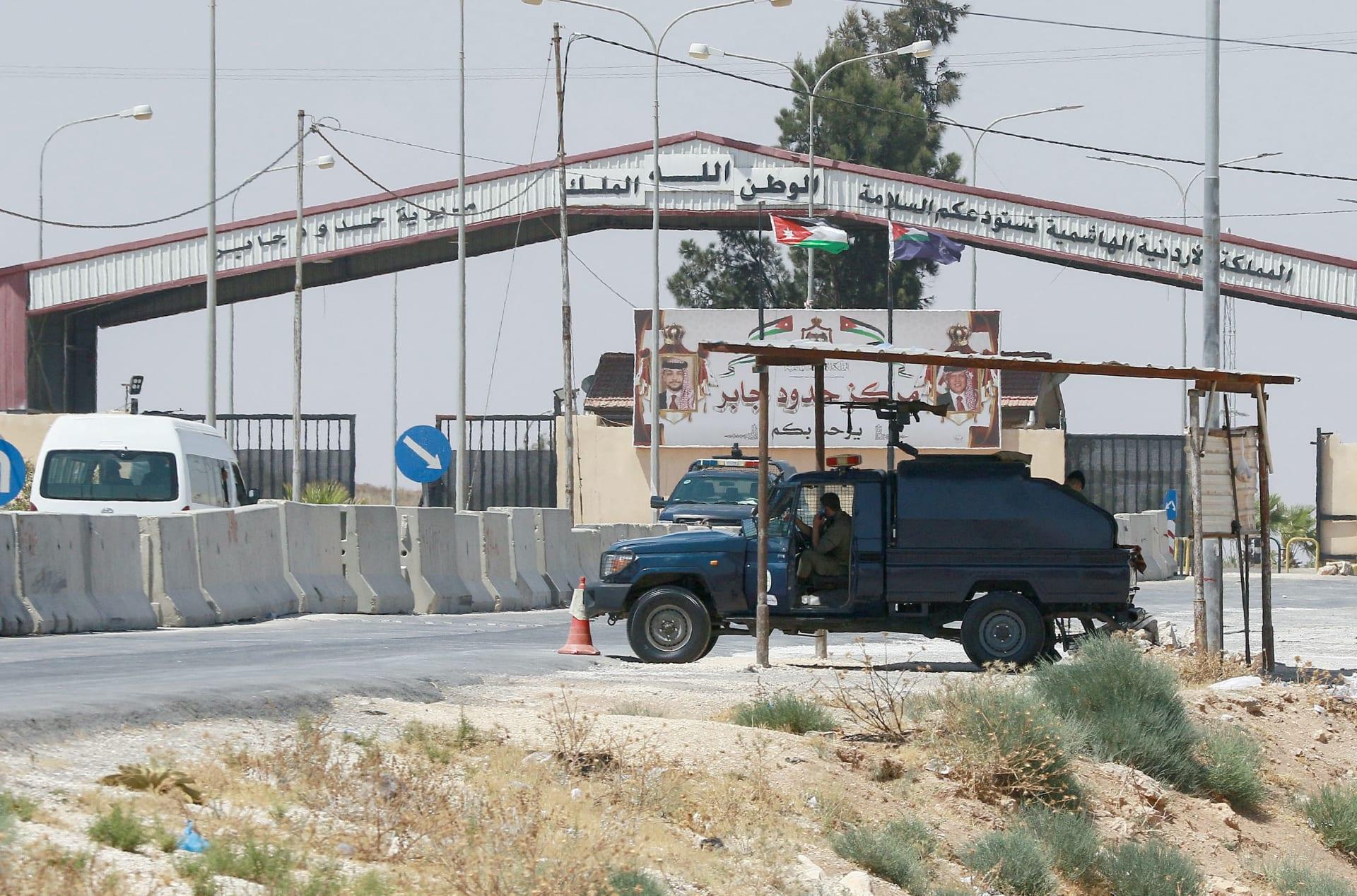 وزير الدفاع السوري يزور الأردن ويلتقي رئيس الأركان