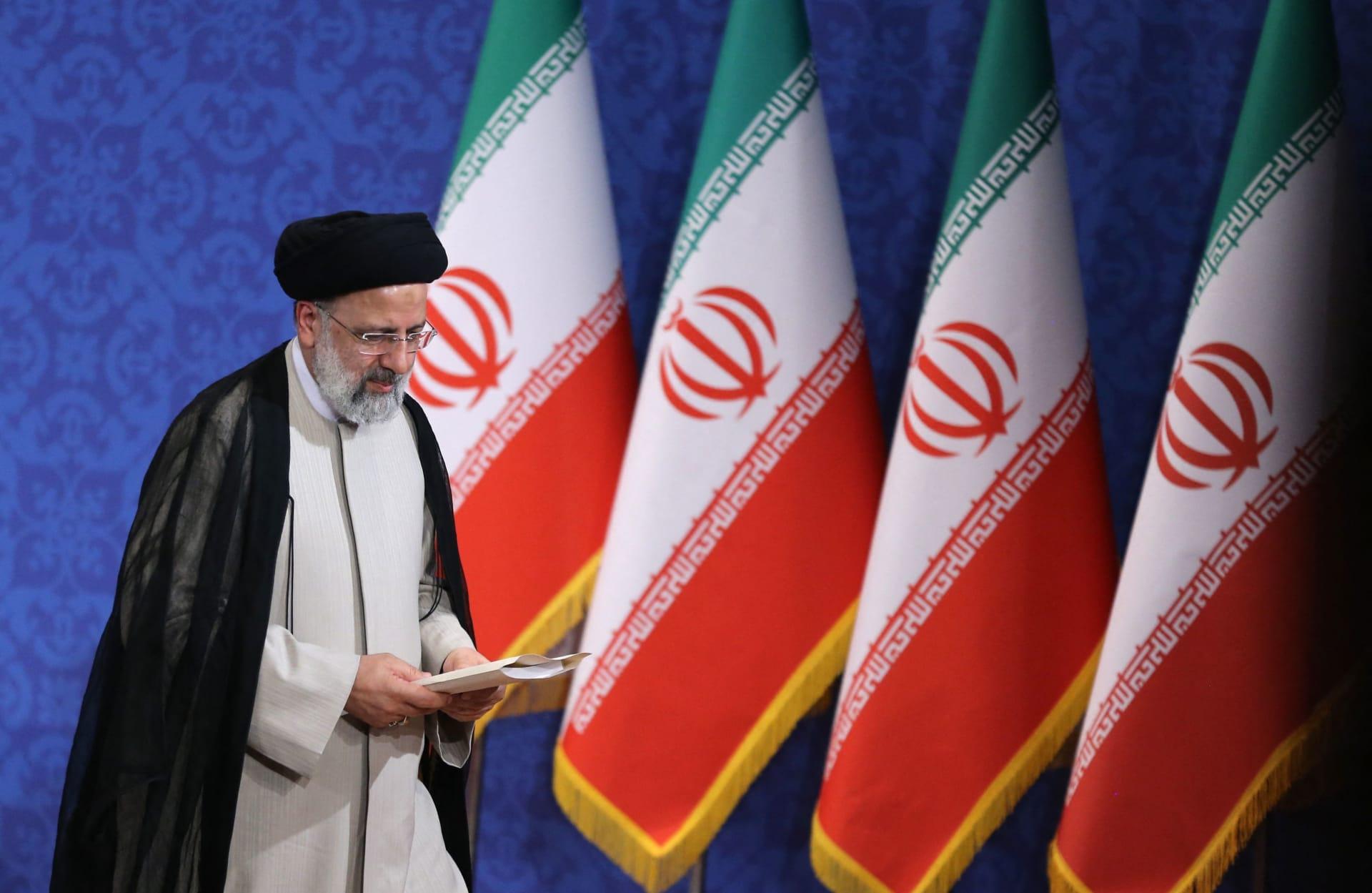 رئيس إيران يوجه رسالة شكر لخليفة بن زايد ويأمل بتنمية علاقات البلدين