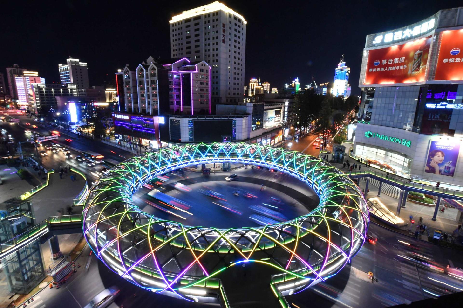 """منها فندق على شكل دمية روسية.. تعرف على الهياكل الغريبة ضمن مسابقة """"أبشع مبنى"""" بالصين لهذا العام"""