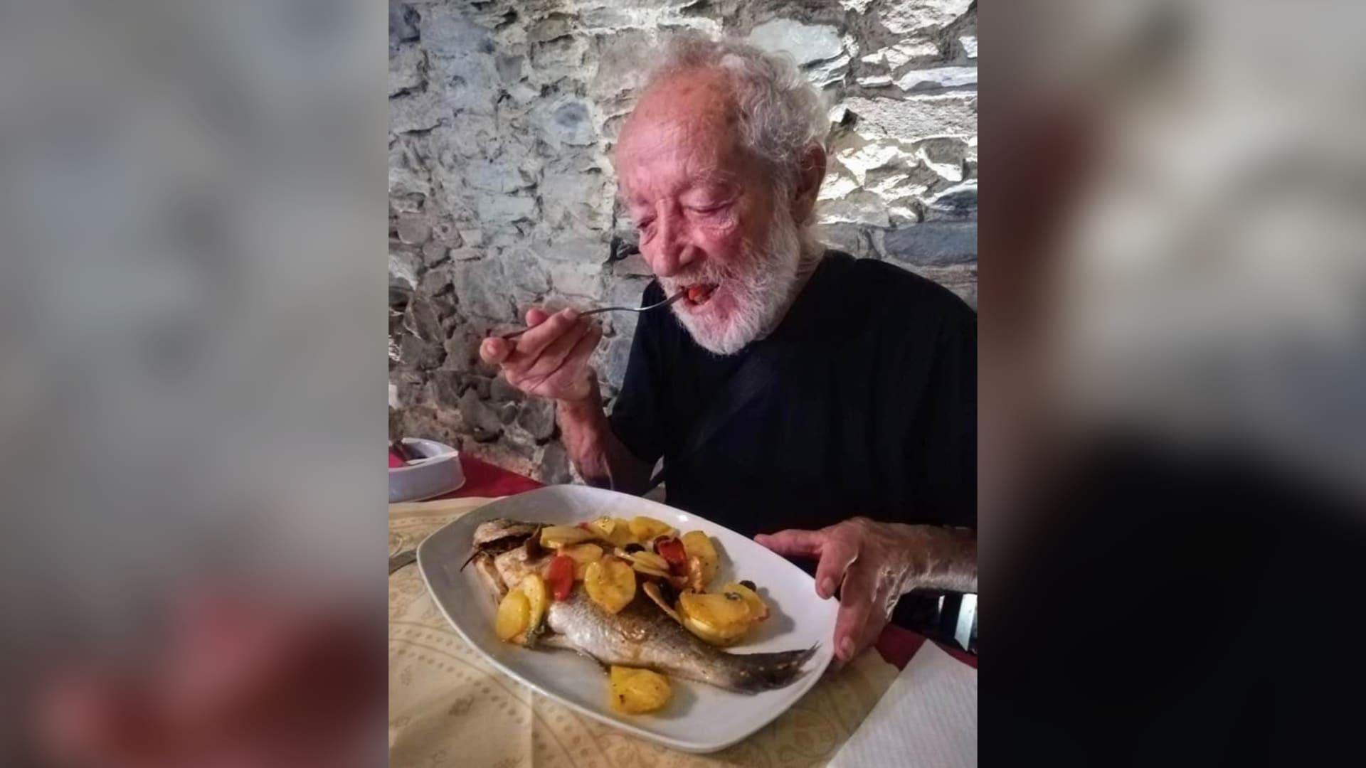 قصة ناسك ايطالي عزل نفسه لـ33 عامًا على جزيرة..هكذا التقى المدينة لأول مرة