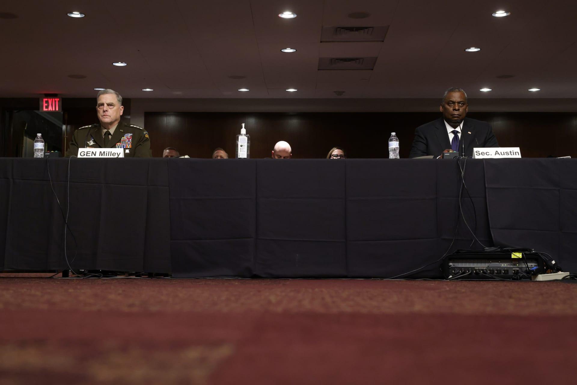 وزير الدفاع الأمريكي يدافع عن خطط الانسحاب من أفغانستان