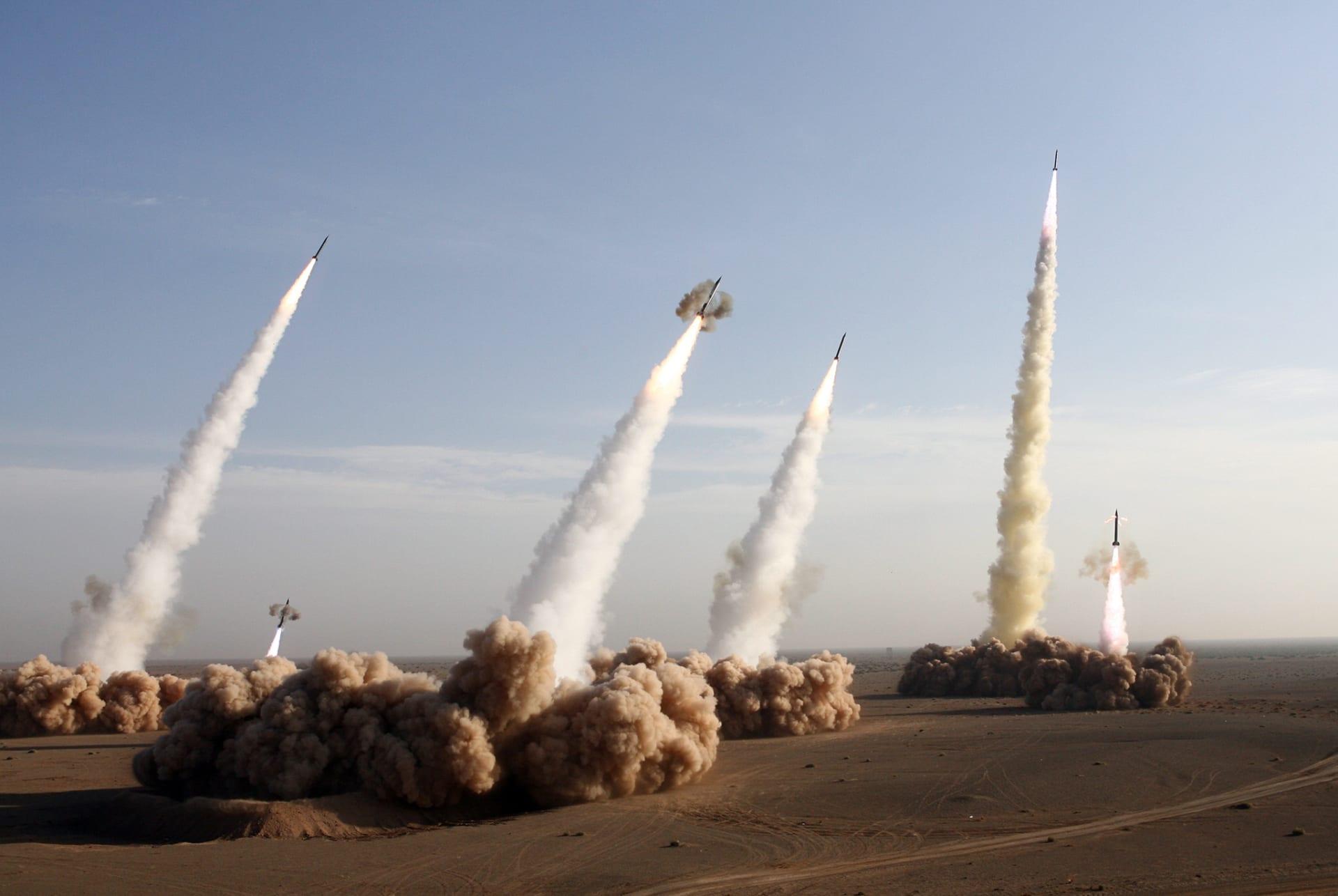 صورة أرشيفية لتجربة صاروخية إيرانية