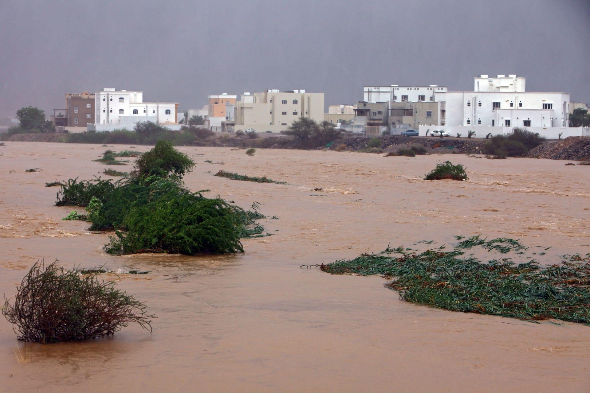 فيضانات في العاصمة العمانية مسقط حيث ضربت عاصفة شاهين الاستوائية البلاد -ي 3 أكتوبر 2021
