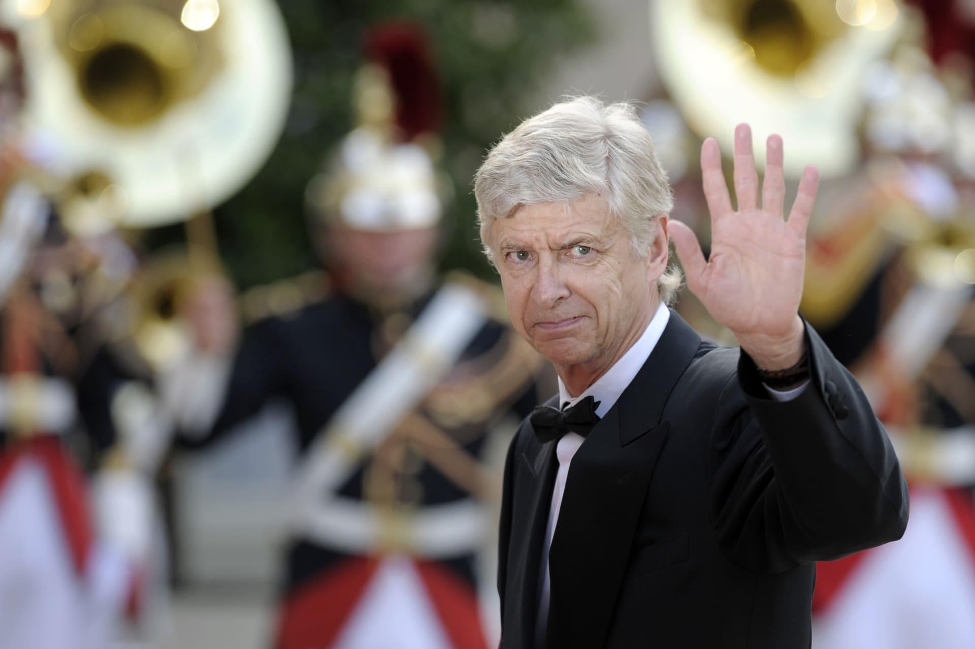 المدرب الفرنسي العالمي أرسين فينغر