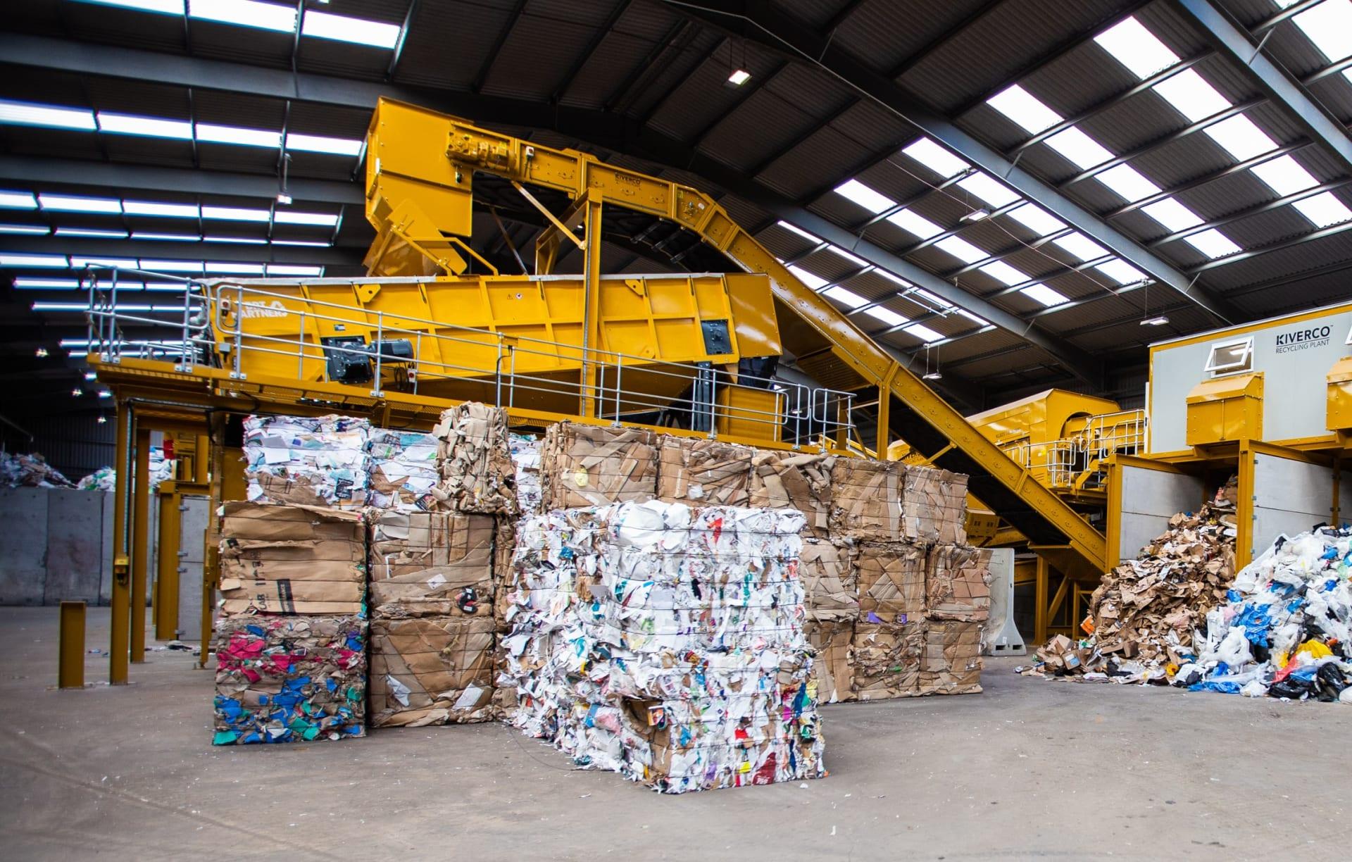 مع زيادة إنتاج النفايات.. هل تشكل تحويل النفايات الطريق لمستقبل أكثر استدامة في الخليج؟