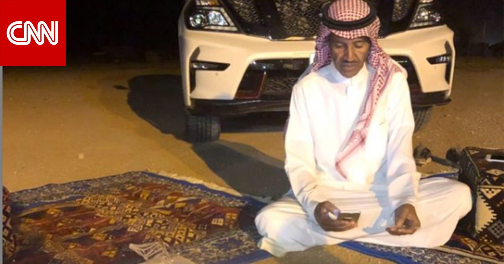 """الفنان السعودي خالد عبدالرحمن يرد على تداول إحياء حفل """"زفاف إبل"""": شر البلية ما يضحك"""