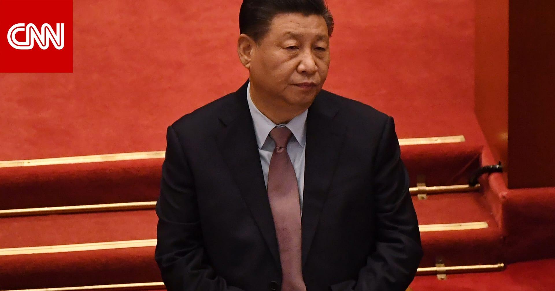 """واشنطن تفرض عقوبات على 7 صينيين.. وتحذر الشركات الأمريكية من """"مخاطر"""" في هونغ كونغ"""